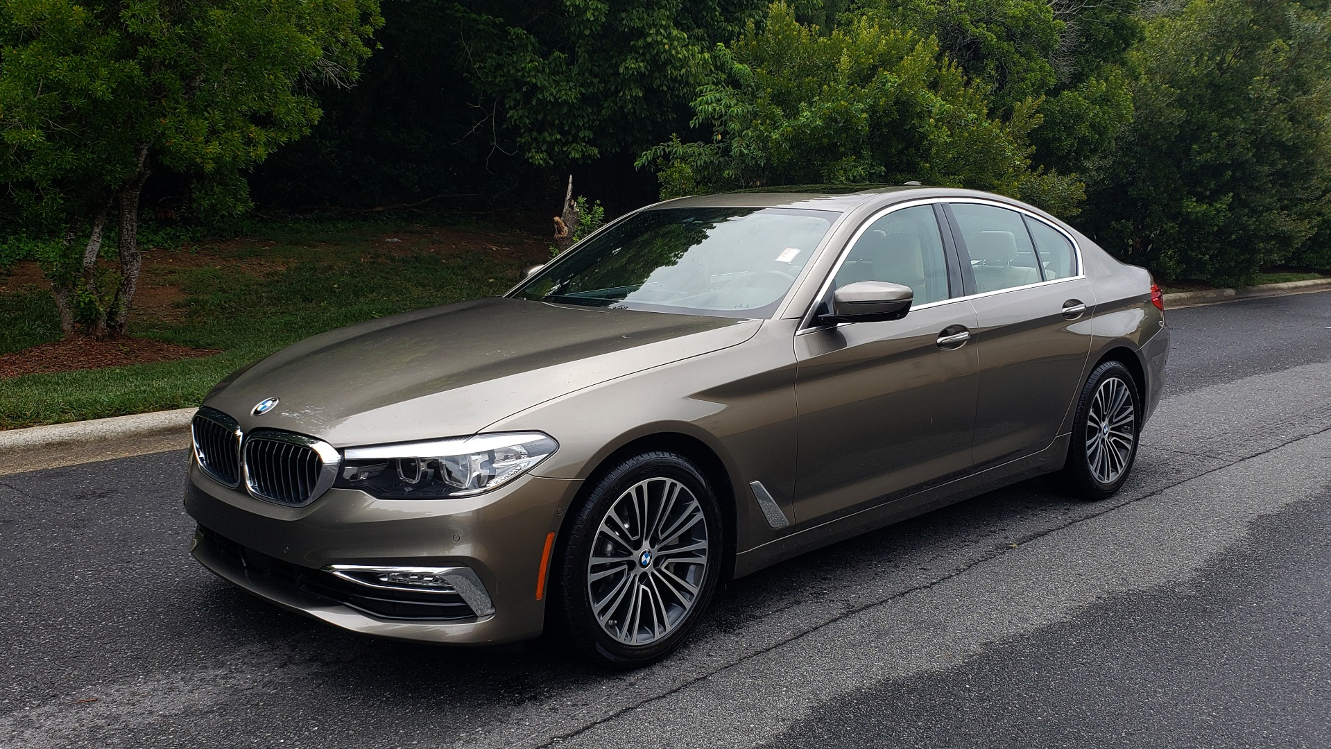 Used 2017 BMW 5 SERIES 530I PREMIUM / NAV / SUNROOF / DRVR ASST PLUS II / LUXURY for sale Sold at Formula Imports in Charlotte NC 28227 1