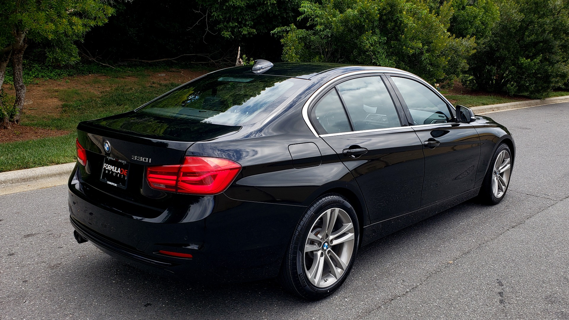 Used 2017 BMW 3 SERIES 330I SPORT / NAV / LEATHER / REARVIEW / PARK DIST CNTRL for sale Sold at Formula Imports in Charlotte NC 28227 6
