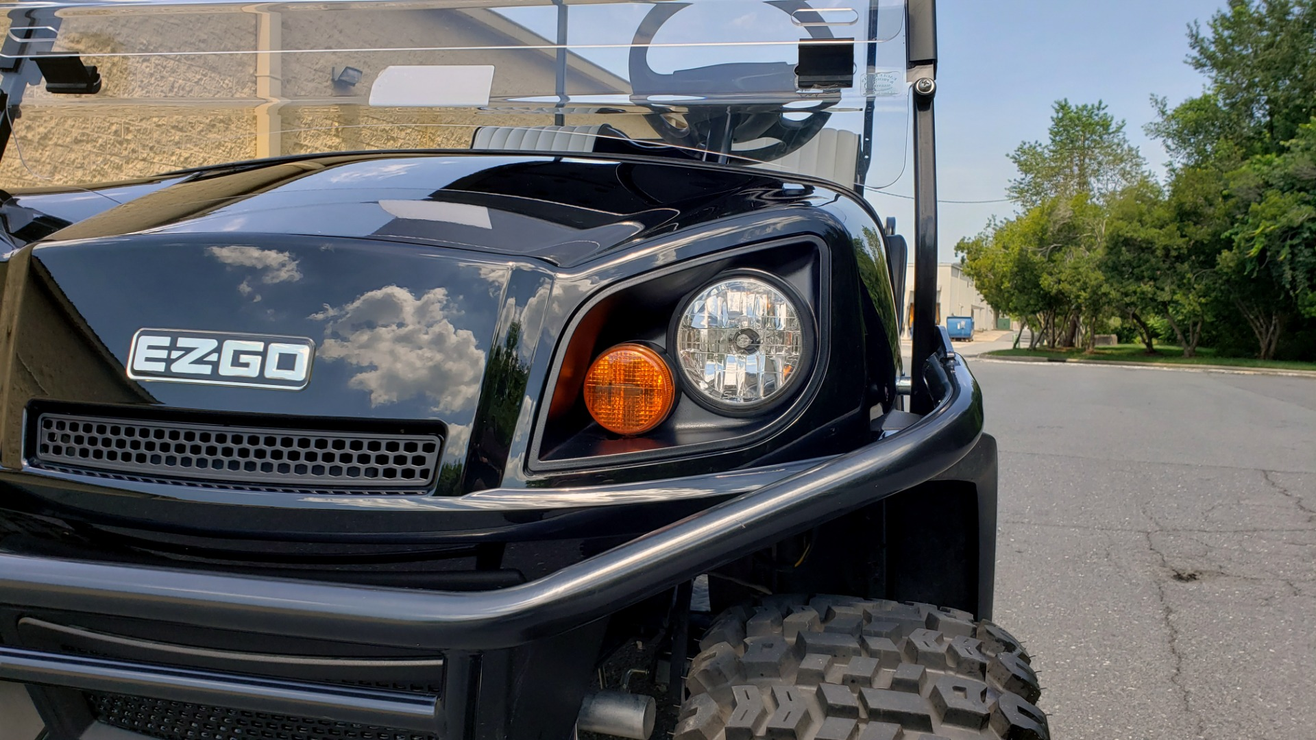 Used 2015 E-Z-GO EXPRESS J6 GOLF CART / 3-ROW / SEATS 6 / 12IN ALLOY WHEELS for sale $8,500 at Formula Imports in Charlotte NC 28227 17