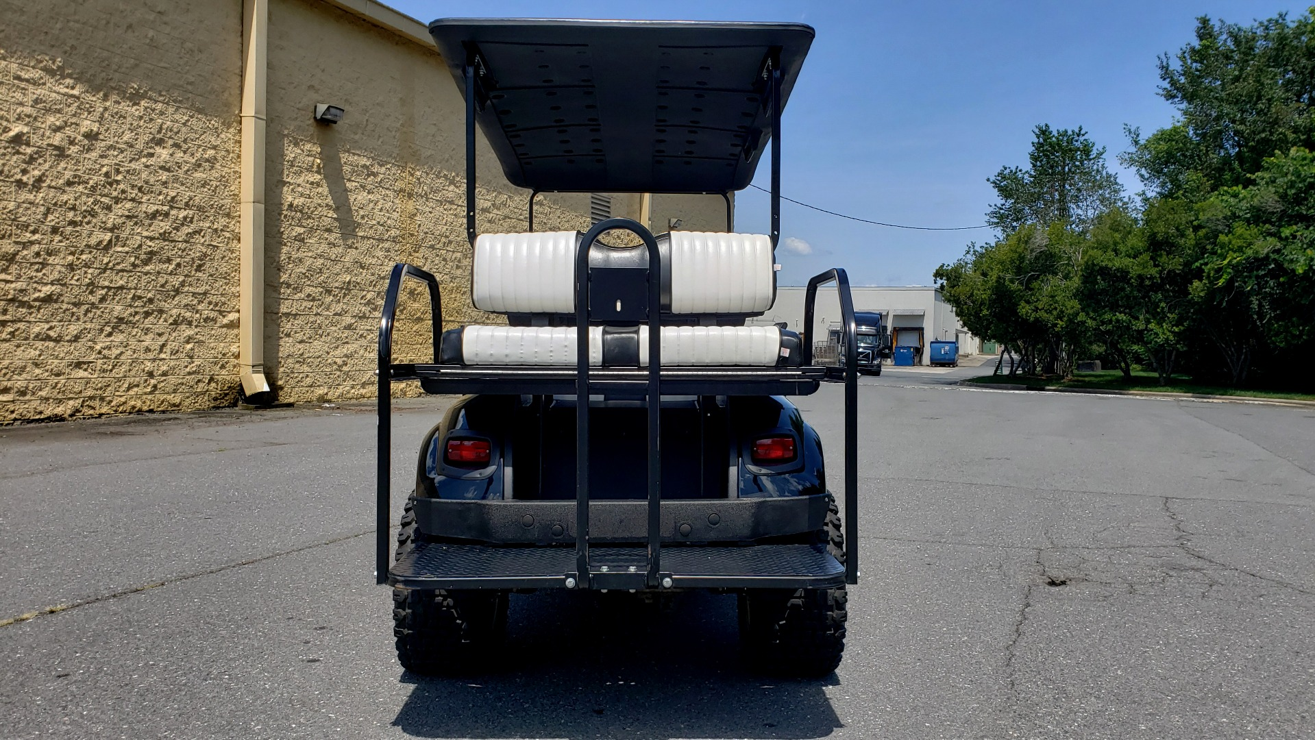 Used 2015 E-Z-GO EXPRESS J6 GOLF CART / 3-ROW / SEATS 6 / 12IN ALLOY WHEELS for sale $8,500 at Formula Imports in Charlotte NC 28227 19