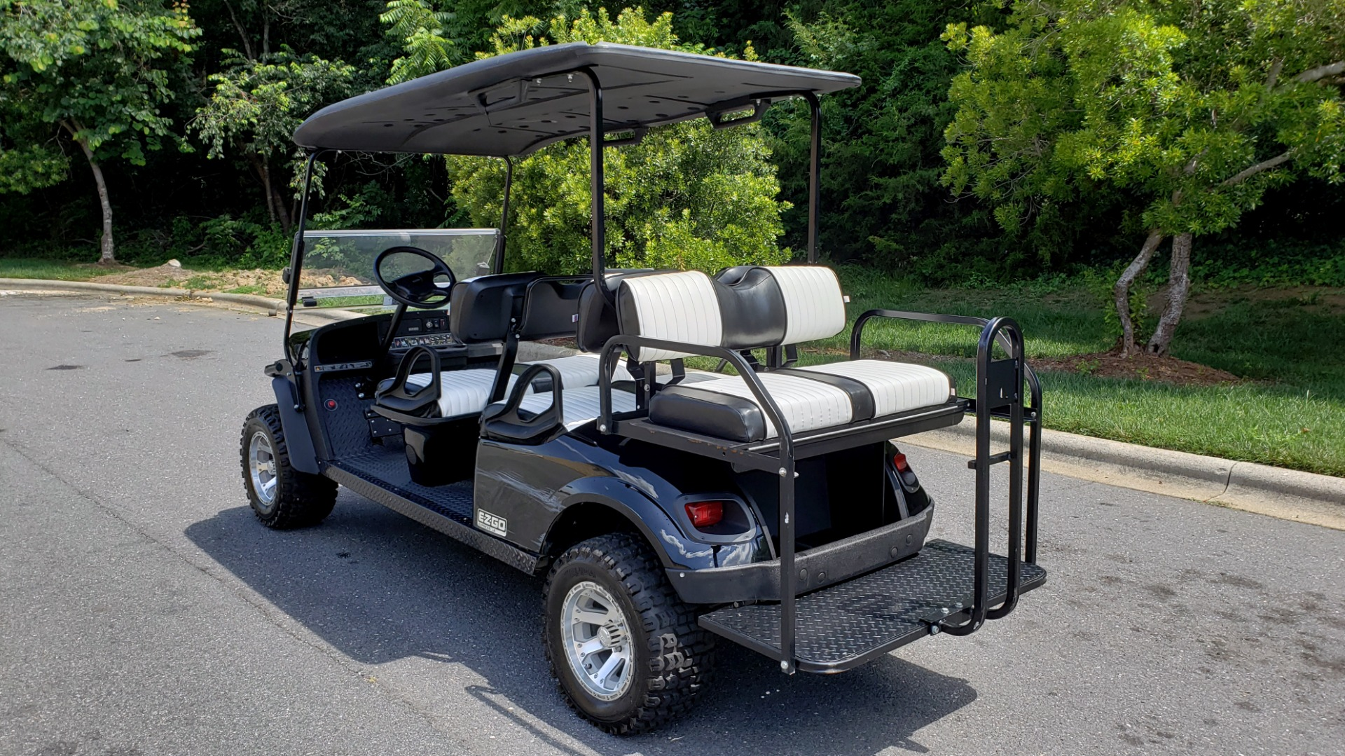 Used 2015 E-Z-GO EXPRESS J6 GOLF CART / 3-ROW / SEATS 6 / 12IN ALLOY WHEELS for sale Sold at Formula Imports in Charlotte NC 28227 3