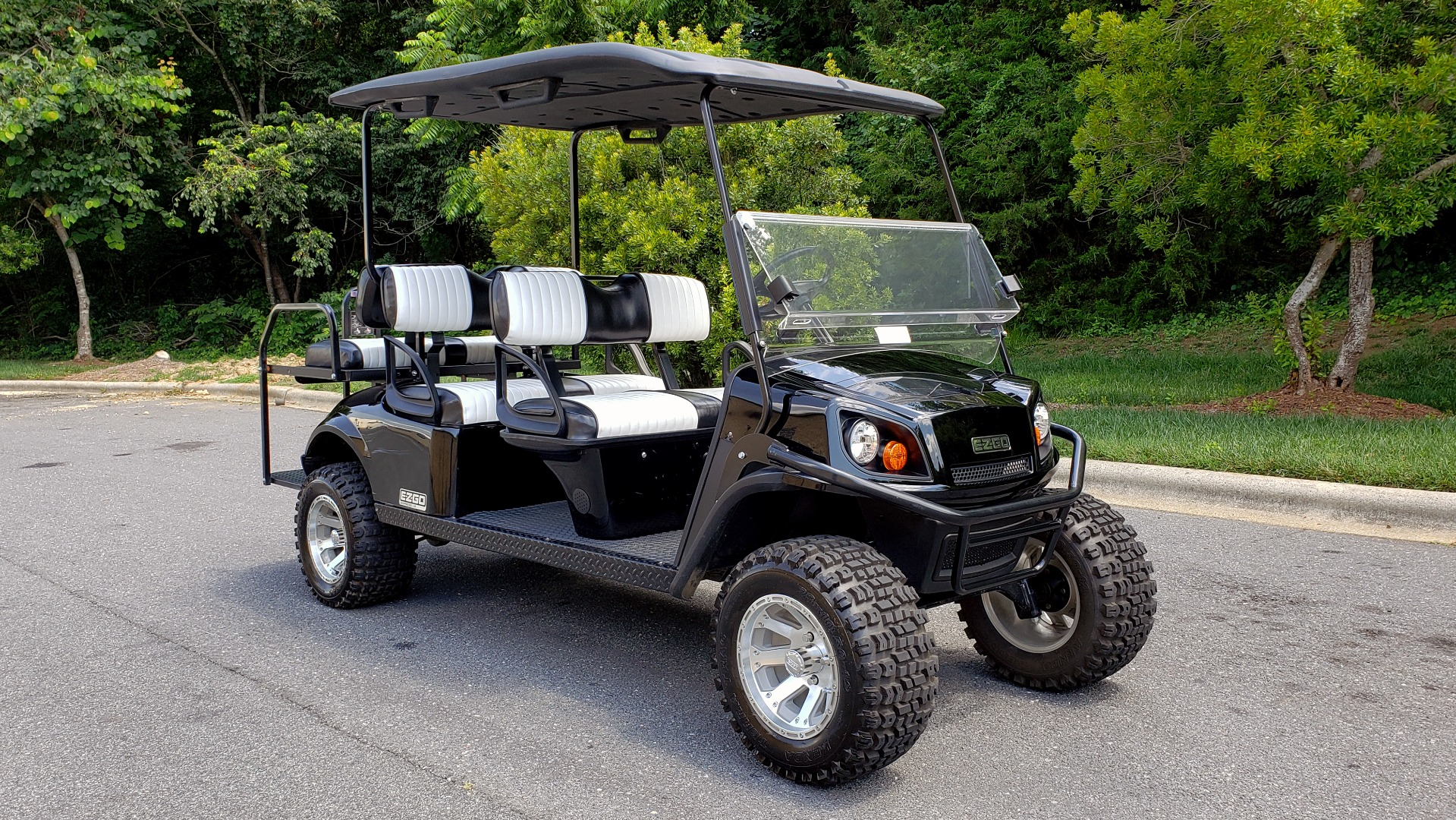 Used 2015 E-Z-GO EXPRESS J6 GOLF CART / 3-ROW / SEATS 6 / 12IN ALLOY WHEELS for sale $8,500 at Formula Imports in Charlotte NC 28227 4