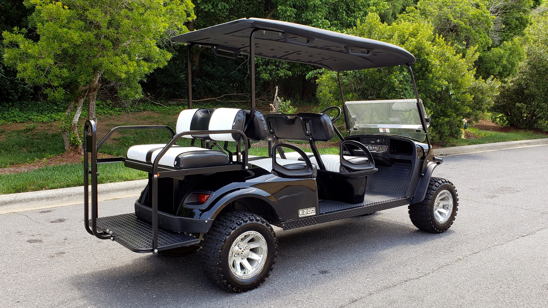 Used 2015 E-Z-GO EXPRESS J6 GOLF CART / 3-ROW / SEATS 6 / 12IN ALLOY WHEELS for sale Sold at Formula Imports in Charlotte NC 28227 6