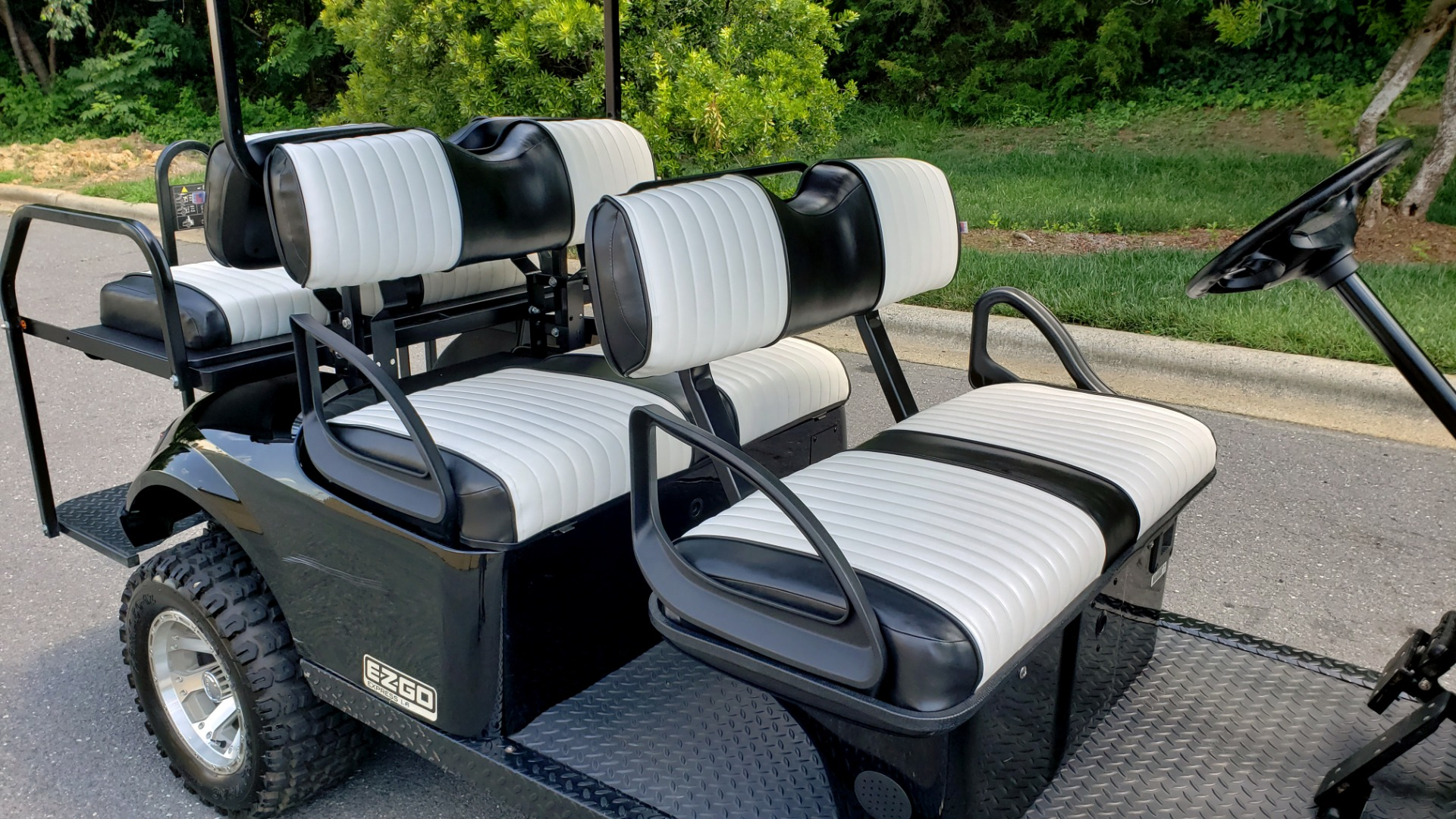 Used 2015 E-Z-GO EXPRESS J6 GOLF CART / 3-ROW / SEATS 6 / 12IN ALLOY WHEELS for sale $8,500 at Formula Imports in Charlotte NC 28227 7