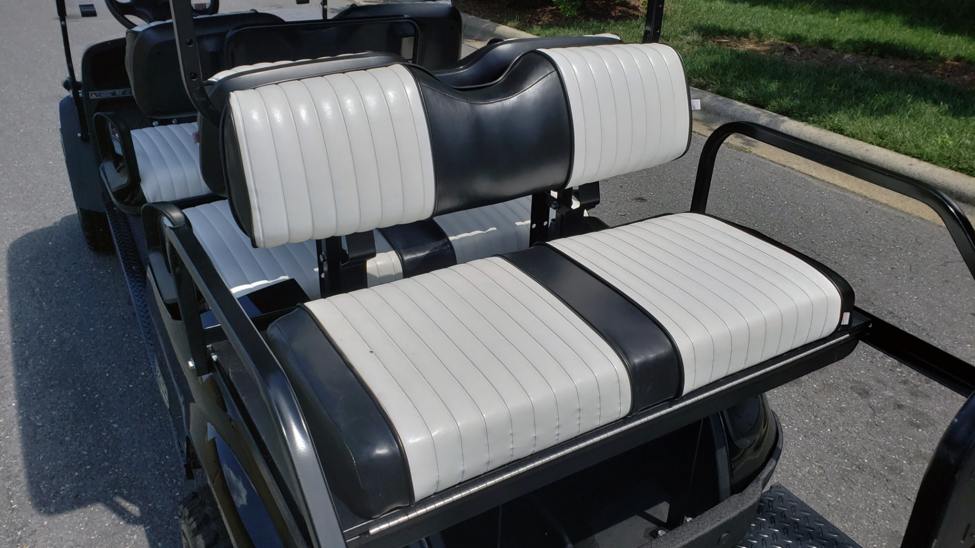 Used 2015 E-Z-GO EXPRESS J6 GOLF CART / 3-ROW / SEATS 6 / 12IN ALLOY WHEELS for sale $8,500 at Formula Imports in Charlotte NC 28227 8
