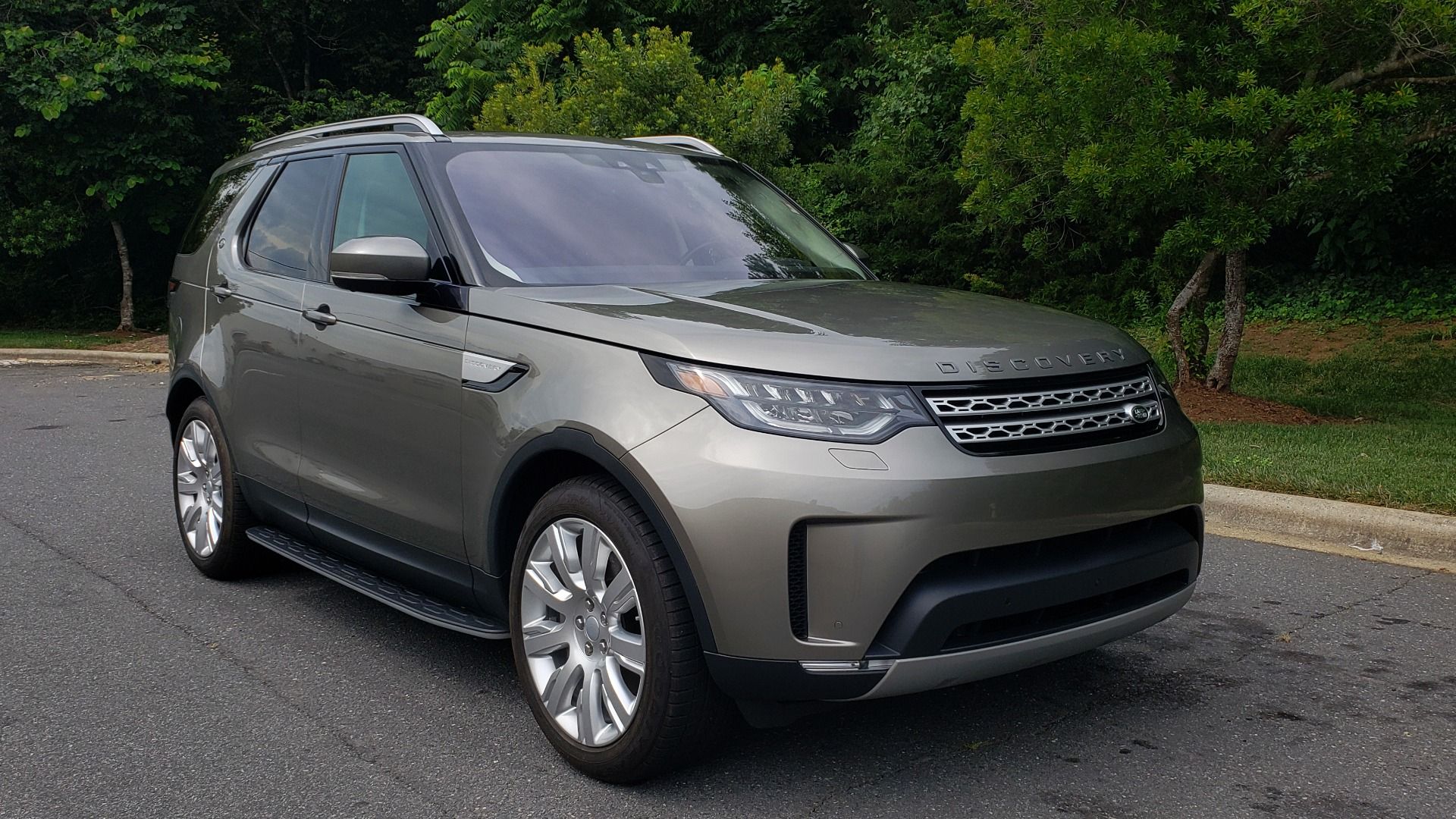 Used 2018 Land Rover DISCOVERY HSE / NAV / DRV PKG / VISION / CLIMATE / CAPABILITY / 3-ROW for sale Sold at Formula Imports in Charlotte NC 28227 4
