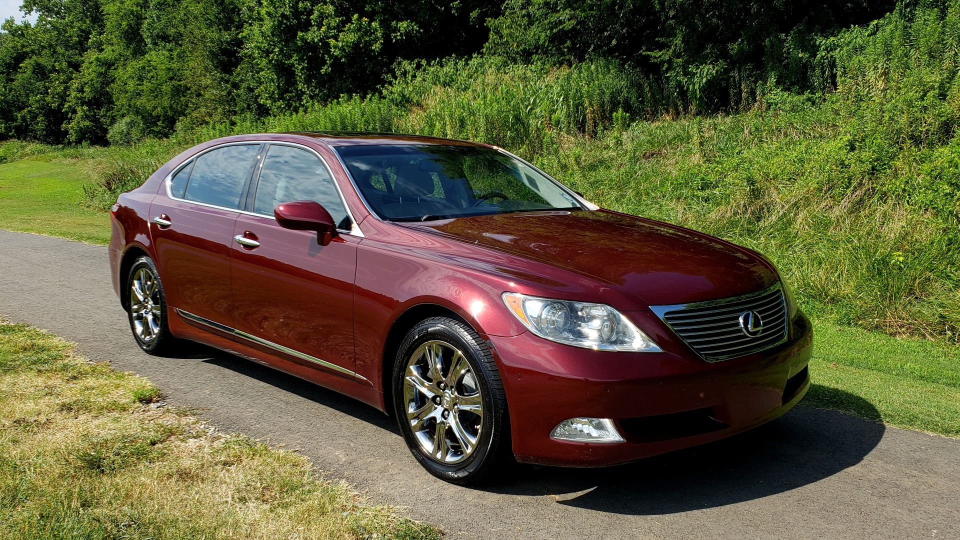 Used 2007 Lexus LS 460 LWB / LUX / NAV / SUNROOF / MARK LEVINSON SND / AIR SUSP for sale Sold at Formula Imports in Charlotte NC 28227 4