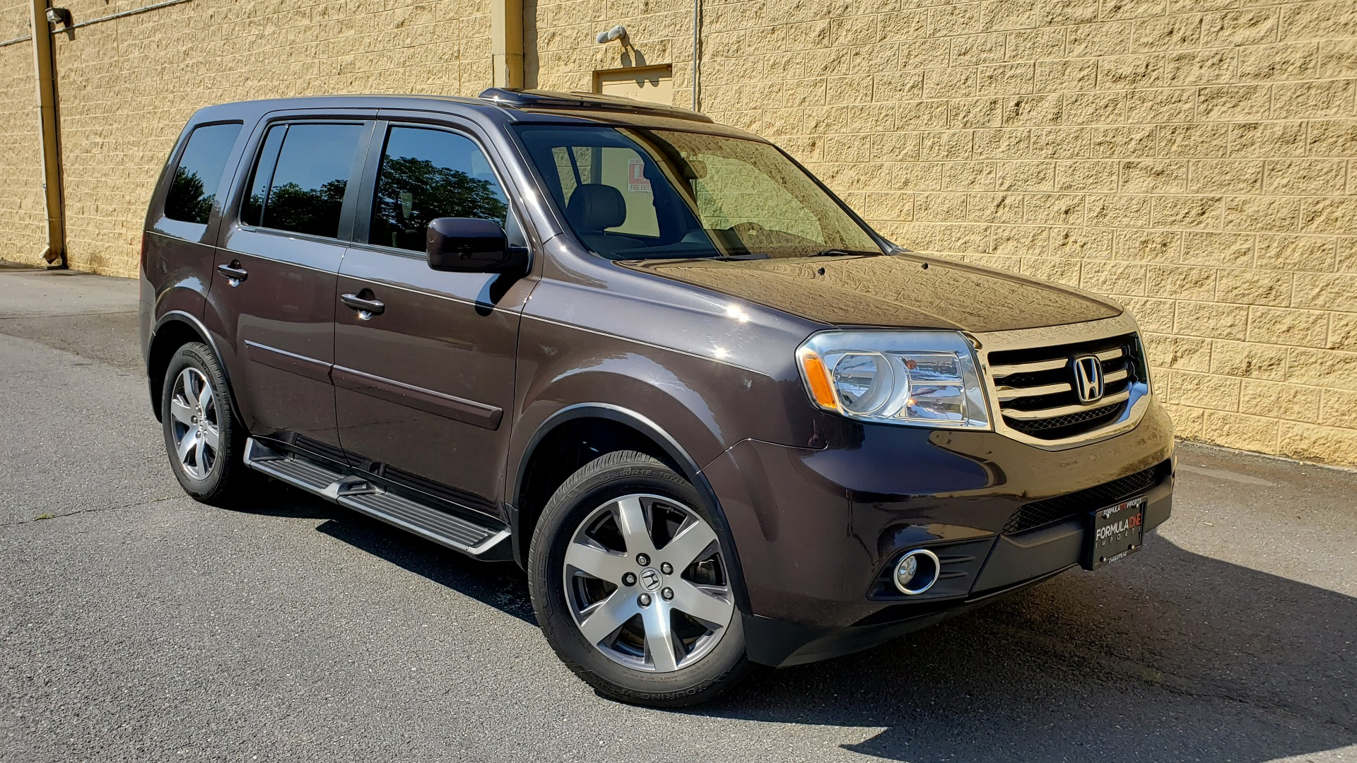 Used 2014 Honda PILOT EX-L / SUNROOF / HTD STS / DUAL-ZONE CLIMATE / REARVIEW for sale $16,995 at Formula Imports in Charlotte NC 28227 4