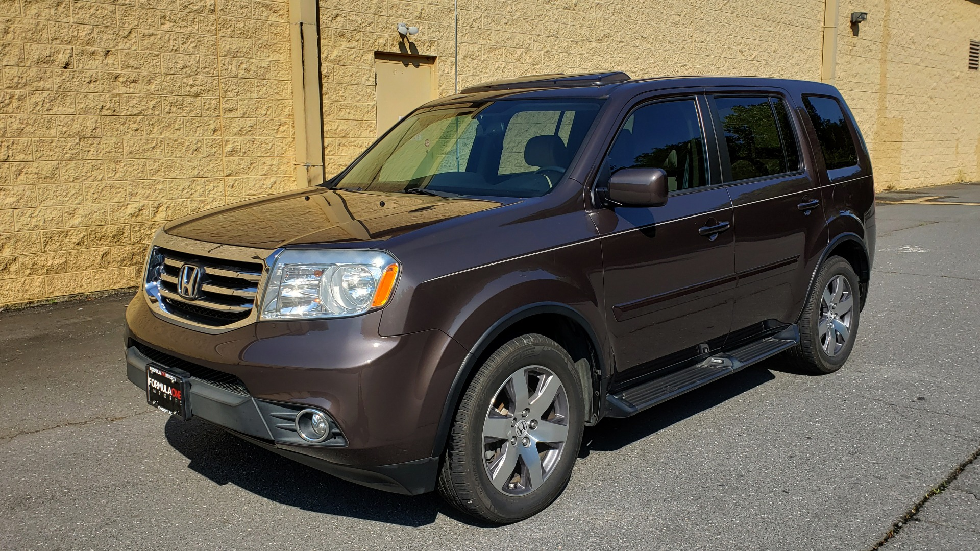 Used 2014 Honda PILOT EX-L / SUNROOF / HTD STS / DUAL-ZONE CLIMATE / REARVIEW for sale Sold at Formula Imports in Charlotte NC 28227 1