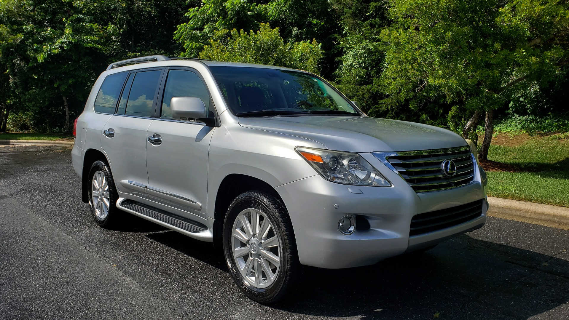 Used 2008 Lexus LX 570 4WD NAV / TECHNOLOGY PKG / 3-ROW / SUNROOF / REARVIEW for sale Sold at Formula Imports in Charlotte NC 28227 4