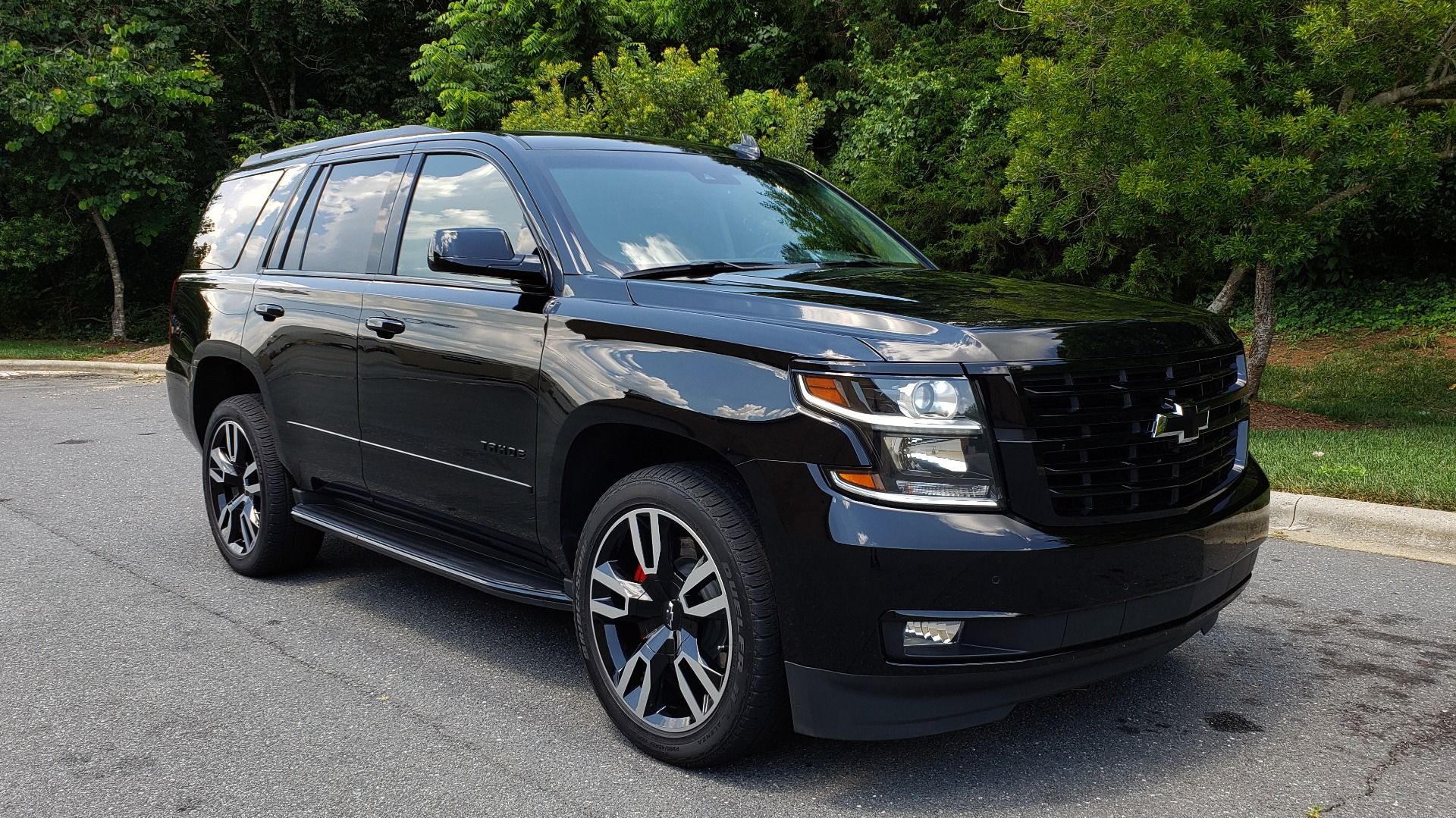 Used 2018 Chevrolet TAHOE PREMIER 4WD / RST EDIT / NAV / SUNROOF / CAMERA / 3-ROW for sale Sold at Formula Imports in Charlotte NC 28227 4