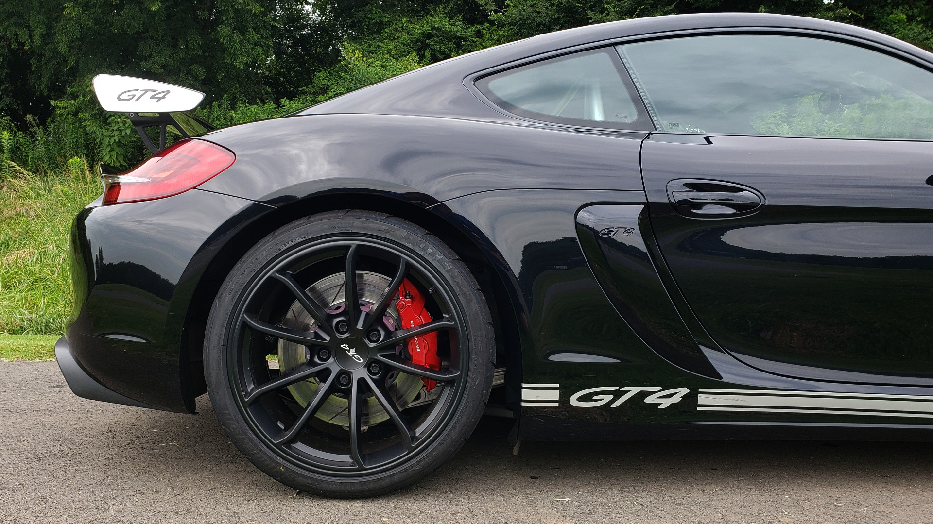 Used 2016 Porsche CAYMAN GT4 / NAV / 6-SPD MANUAL / DUAL-ZONE A/C / SPORT EXHAUST for sale Sold at Formula Imports in Charlotte NC 28227 28
