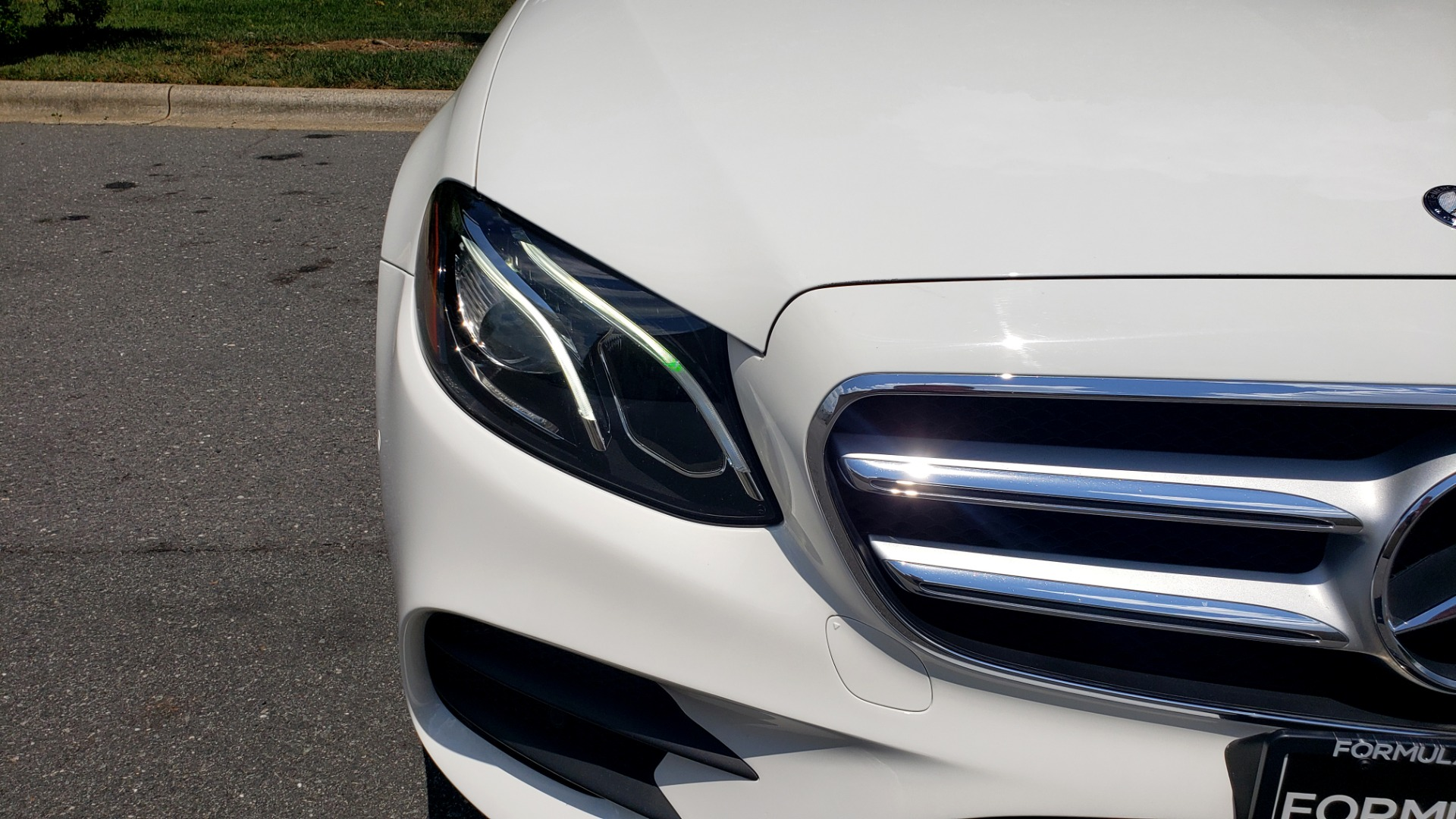 Used 2017 Mercedes-Benz E-CLASS E 300 PREMIUM / SPORT / NAV / SUNROOF / HTD STS / BSM / REARVIEW for sale $27,995 at Formula Imports in Charlotte NC 28227 19
