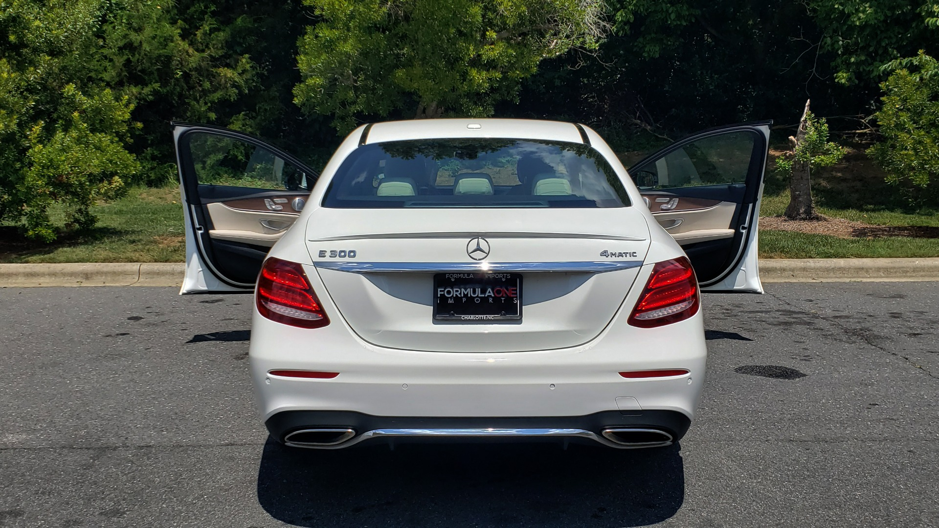 Used 2017 Mercedes-Benz E-CLASS E 300 PREMIUM / SPORT / NAV / SUNROOF / HTD STS / BSM / REARVIEW for sale $27,995 at Formula Imports in Charlotte NC 28227 24