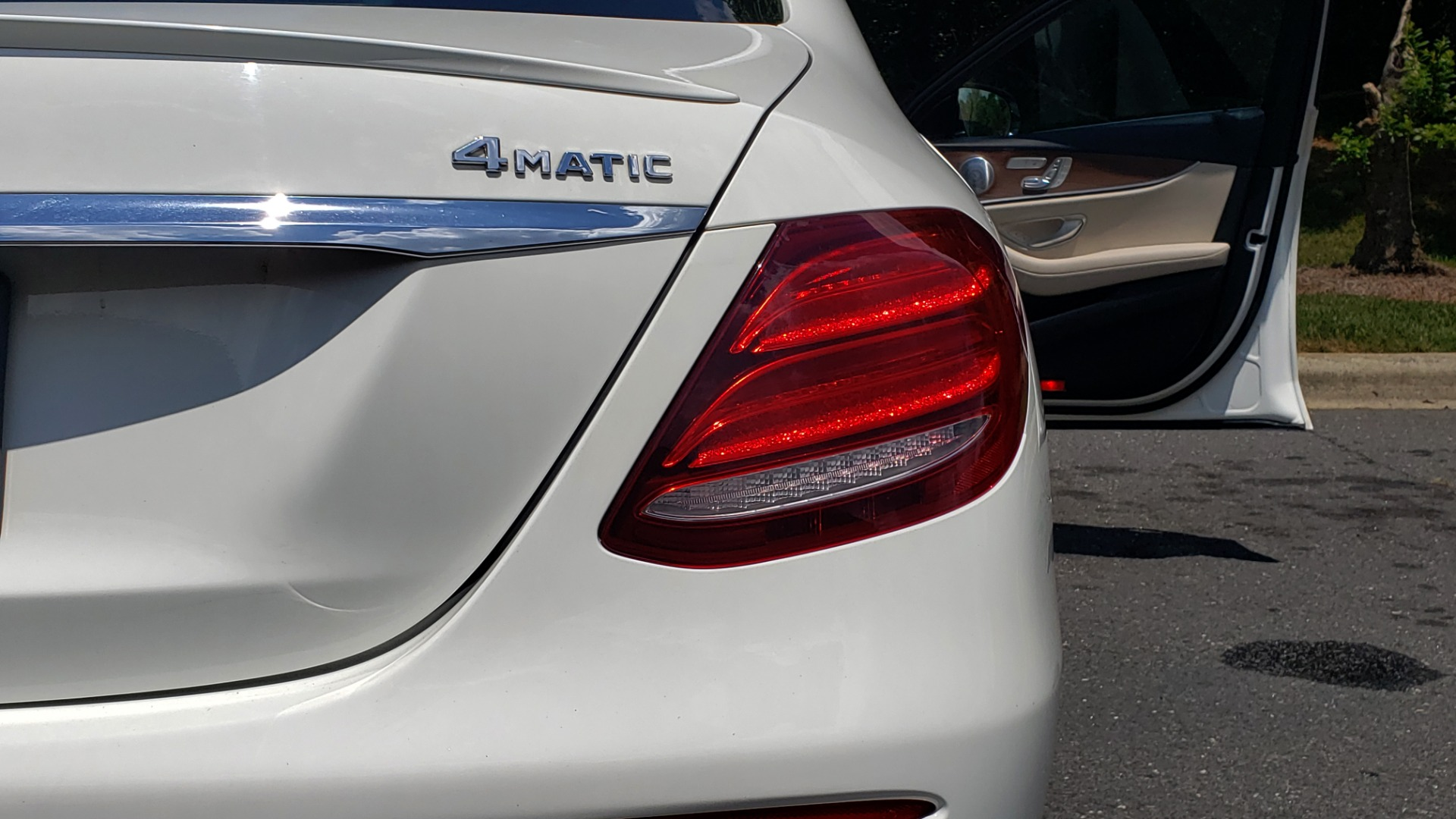 Used 2017 Mercedes-Benz E-CLASS E 300 PREMIUM / SPORT / NAV / SUNROOF / HTD STS / BSM / REARVIEW for sale $27,995 at Formula Imports in Charlotte NC 28227 26