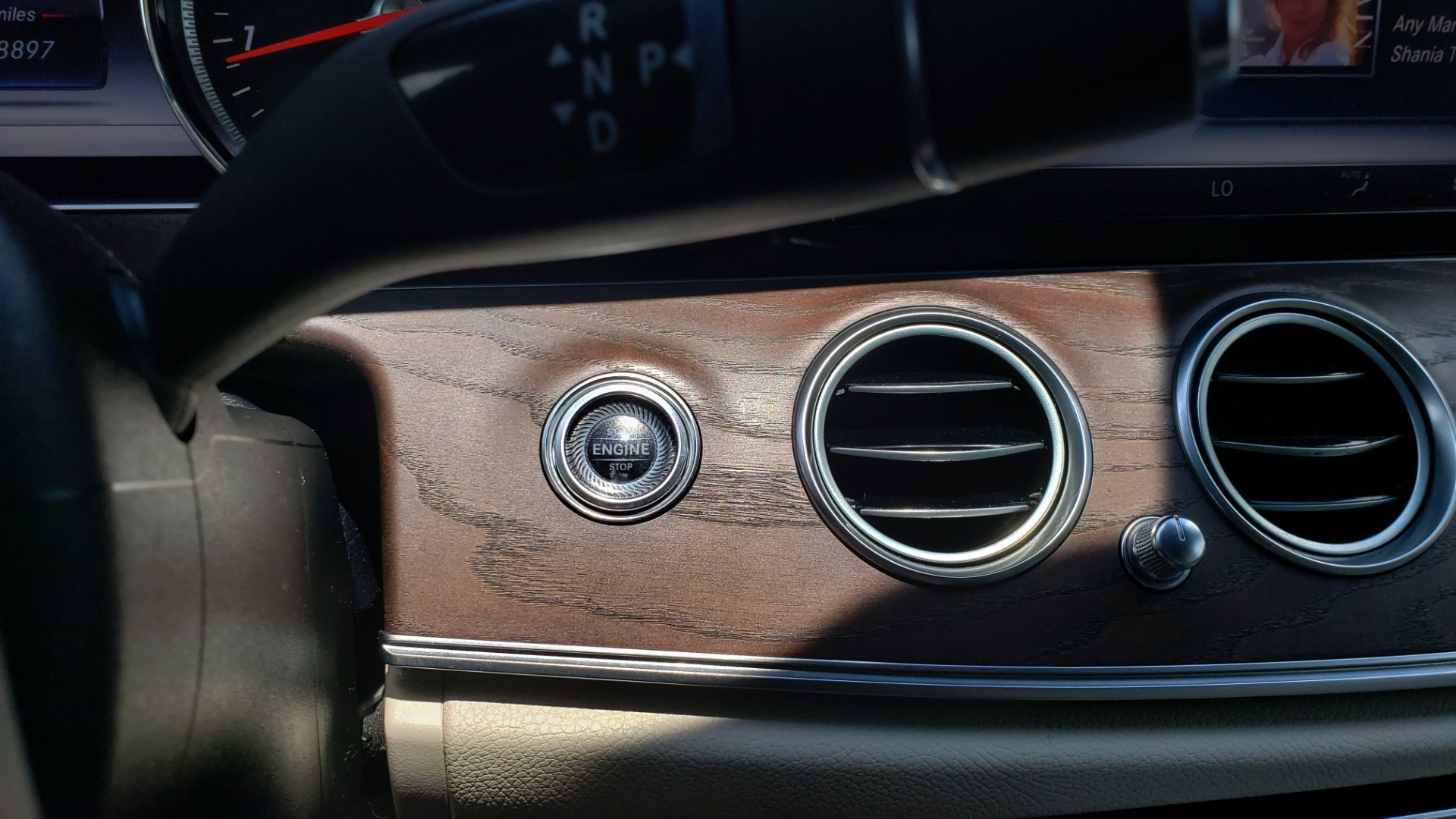Used 2017 Mercedes-Benz E-CLASS E 300 PREMIUM / SPORT / NAV / SUNROOF / HTD STS / BSM / REARVIEW for sale $27,995 at Formula Imports in Charlotte NC 28227 38