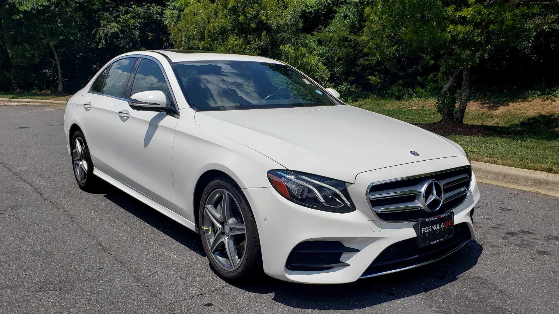 Used 2017 Mercedes-Benz E-CLASS E 300 PREMIUM / SPORT / NAV / SUNROOF / HTD STS / BSM / REARVIEW for sale $27,995 at Formula Imports in Charlotte NC 28227 4