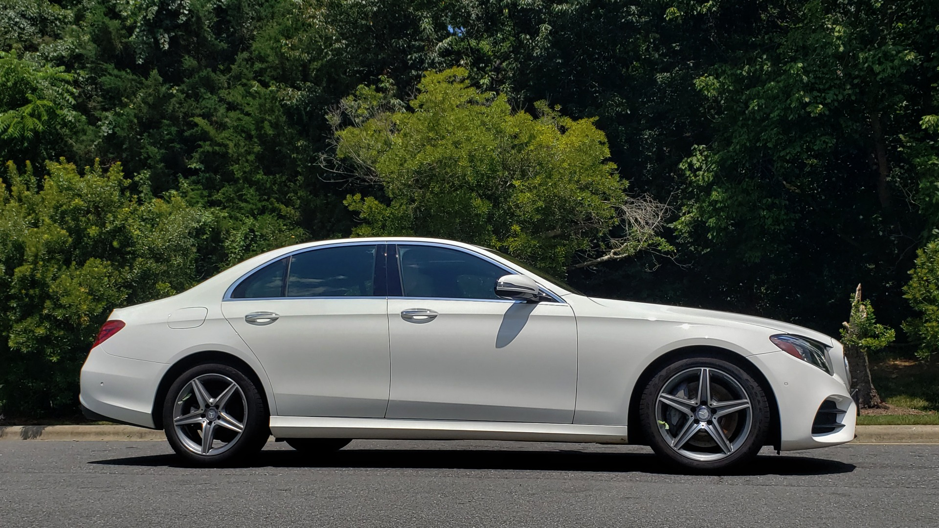 Used 2017 Mercedes-Benz E-Class E 300 Luxury for sale Sold at Formula Imports in Charlotte NC 28227 5