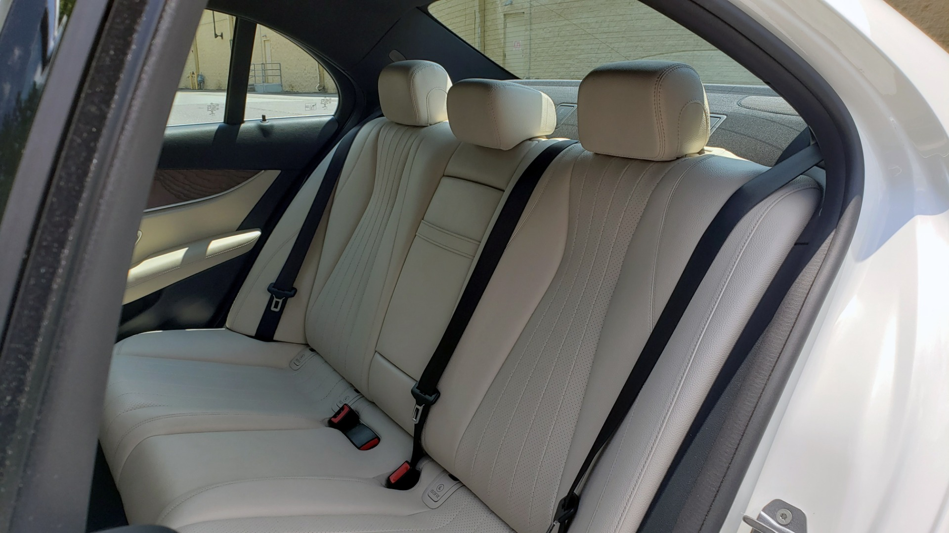 Used 2017 Mercedes-Benz E-CLASS E 300 PREMIUM / SPORT / NAV / SUNROOF / HTD STS / BSM / REARVIEW for sale $27,995 at Formula Imports in Charlotte NC 28227 60