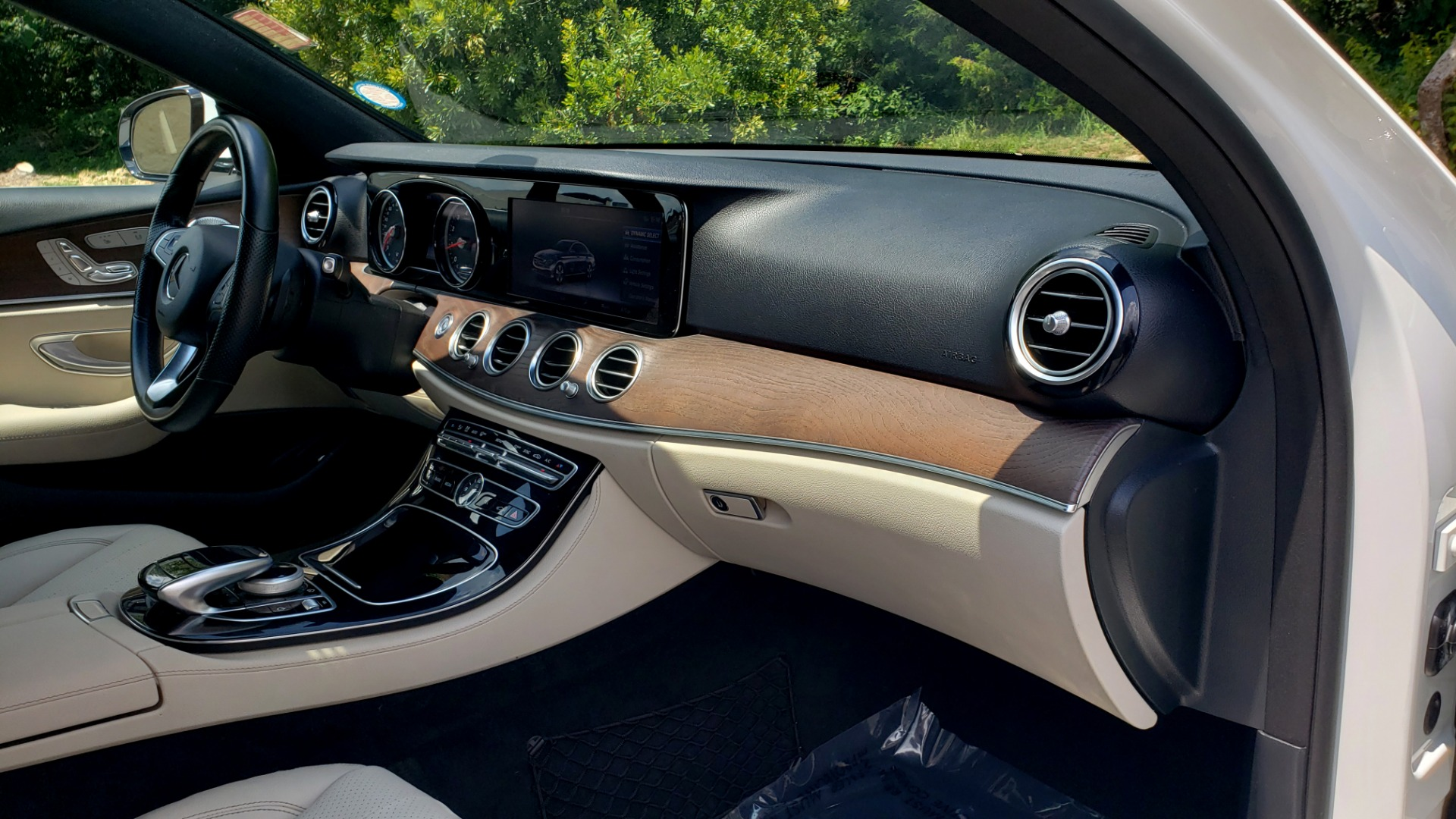 Used 2017 Mercedes-Benz E-CLASS E 300 PREMIUM / SPORT / NAV / SUNROOF / HTD STS / BSM / REARVIEW for sale $27,995 at Formula Imports in Charlotte NC 28227 66