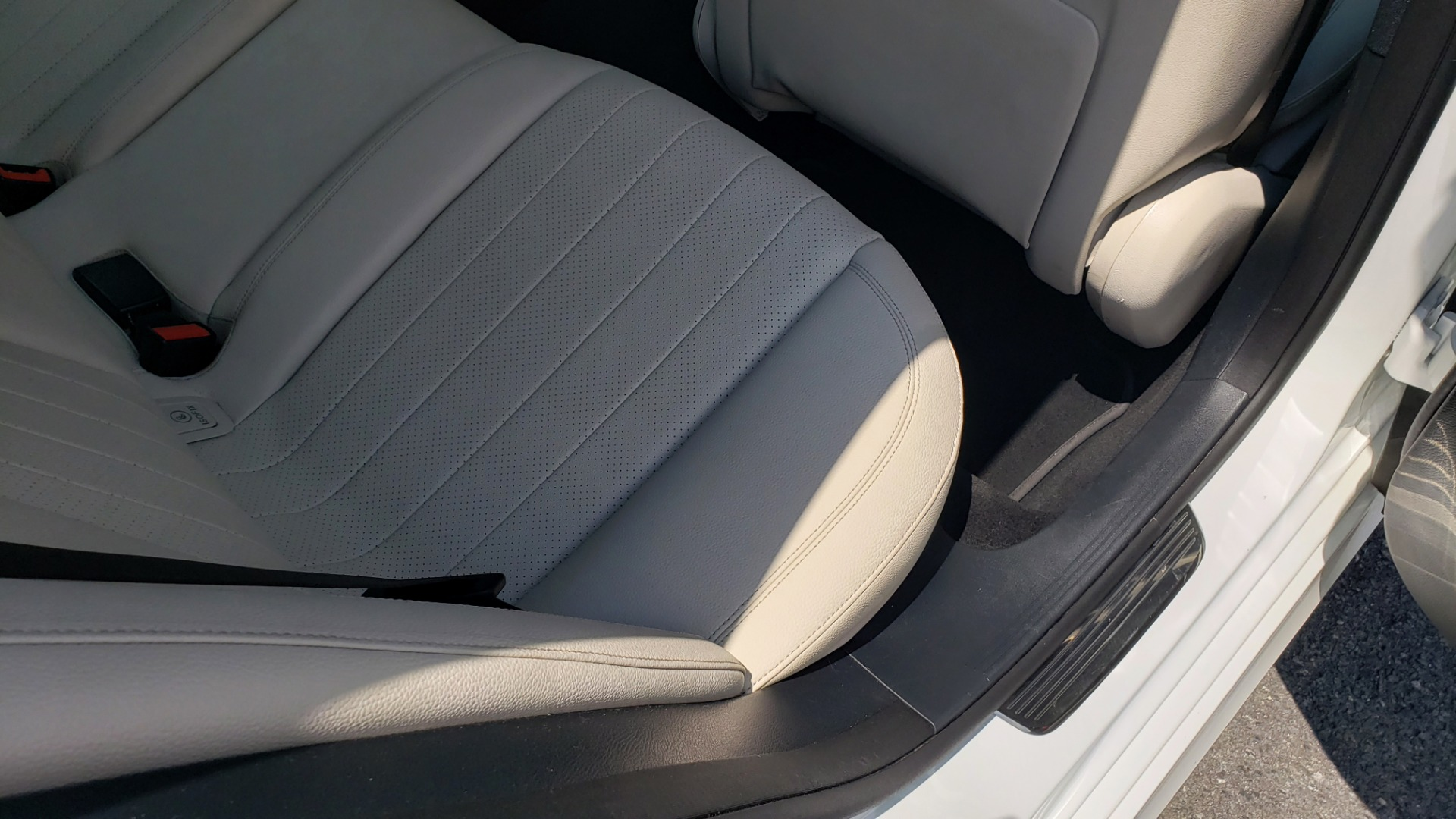 Used 2017 Mercedes-Benz E-CLASS E 300 PREMIUM / SPORT / NAV / SUNROOF / HTD STS / BSM / REARVIEW for sale $27,995 at Formula Imports in Charlotte NC 28227 69