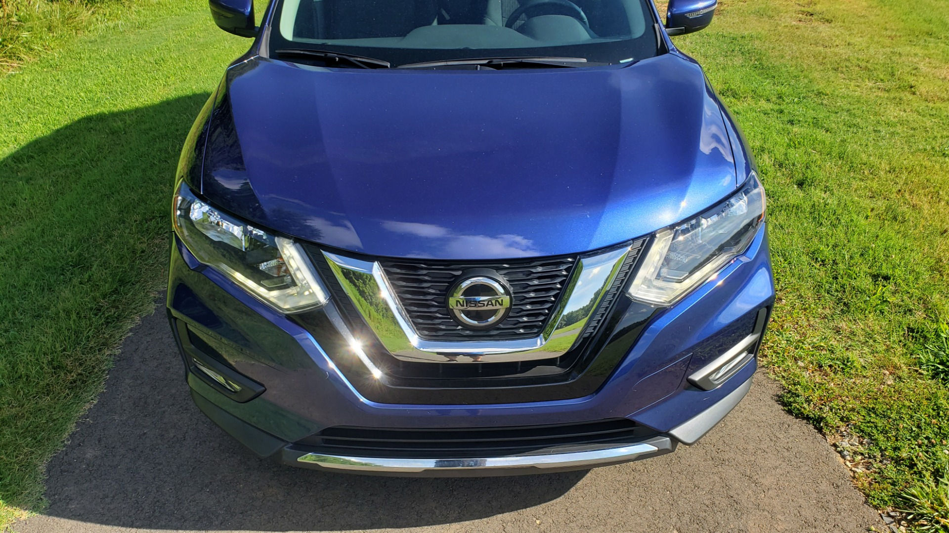 Used 2018 Nissan ROGUE SV / FWD / DUAL-ZONE CLIMATE / HEATED SEATS / REARVIEW for sale Sold at Formula Imports in Charlotte NC 28227 12