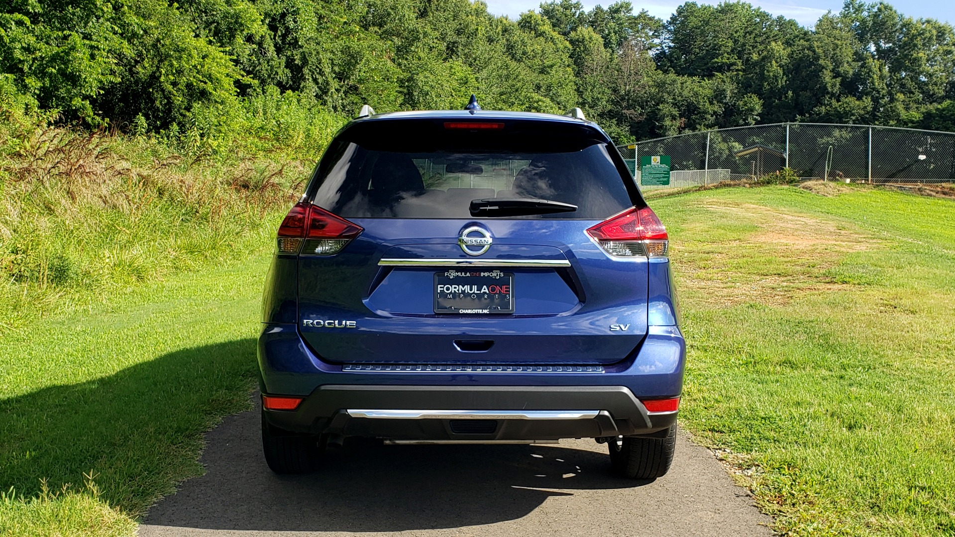 Used 2018 Nissan ROGUE SV / FWD / DUAL-ZONE CLIMATE / HEATED SEATS / REARVIEW for sale Sold at Formula Imports in Charlotte NC 28227 25