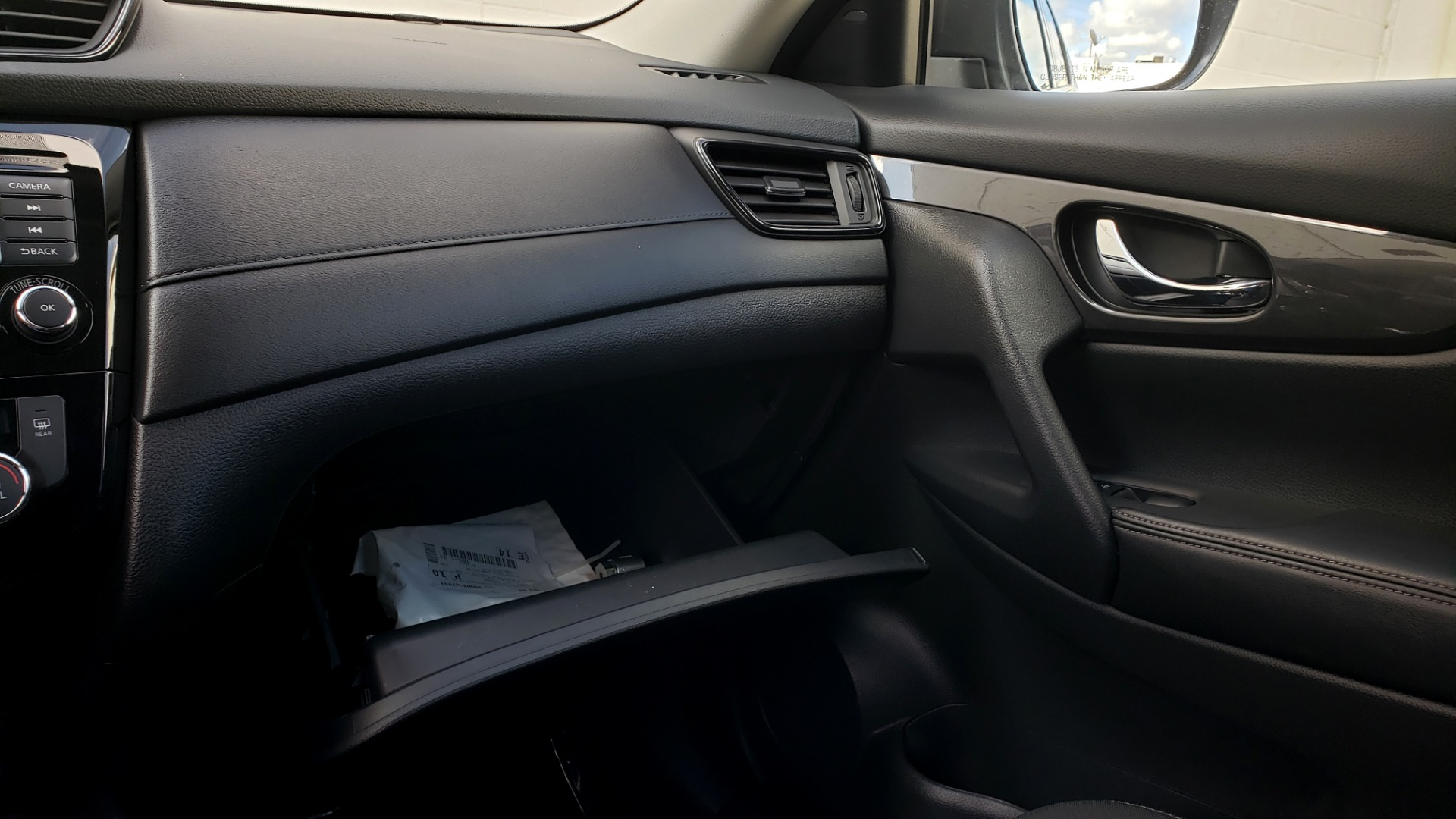 Used 2018 Nissan ROGUE SV / FWD / DUAL-ZONE CLIMATE / HEATED SEATS / REARVIEW for sale Sold at Formula Imports in Charlotte NC 28227 48