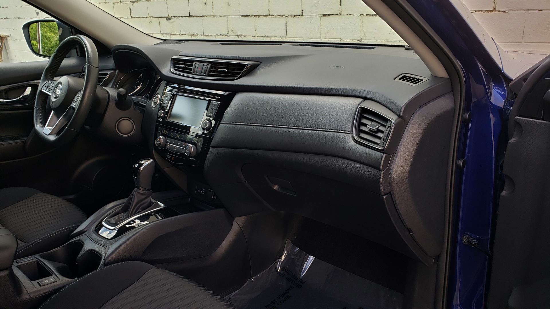 Used 2018 Nissan ROGUE SV / FWD / DUAL-ZONE CLIMATE / HEATED SEATS / REARVIEW for sale Sold at Formula Imports in Charlotte NC 28227 66