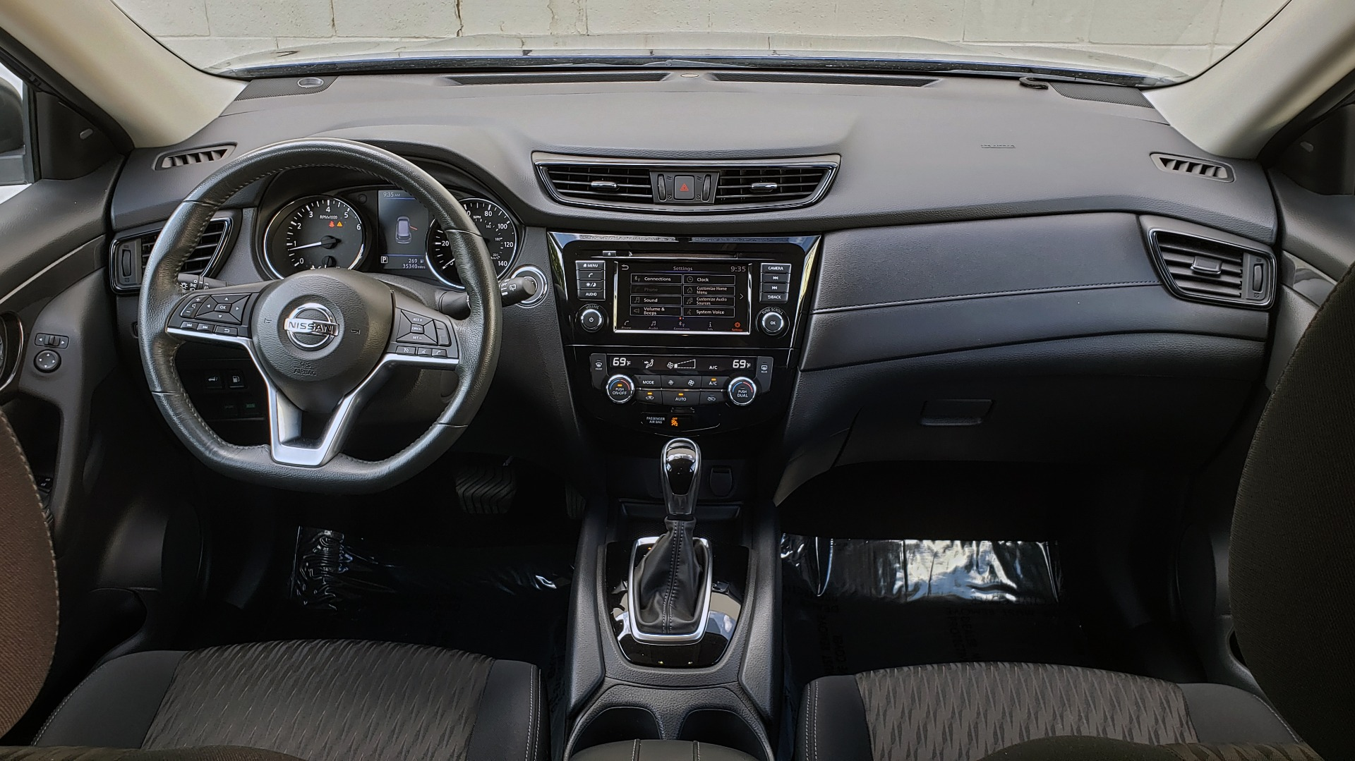 Used 2018 Nissan ROGUE SV / FWD / DUAL-ZONE CLIMATE / HEATED SEATS / REARVIEW for sale Sold at Formula Imports in Charlotte NC 28227 75