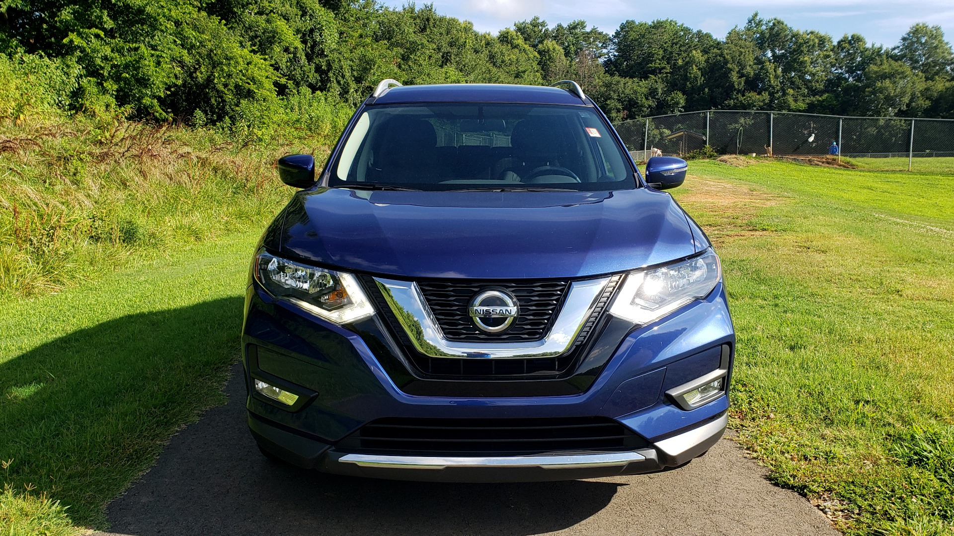 Used 2018 Nissan ROGUE SV / FWD / DUAL-ZONE CLIMATE / HEATED SEATS / REARVIEW for sale Sold at Formula Imports in Charlotte NC 28227 9