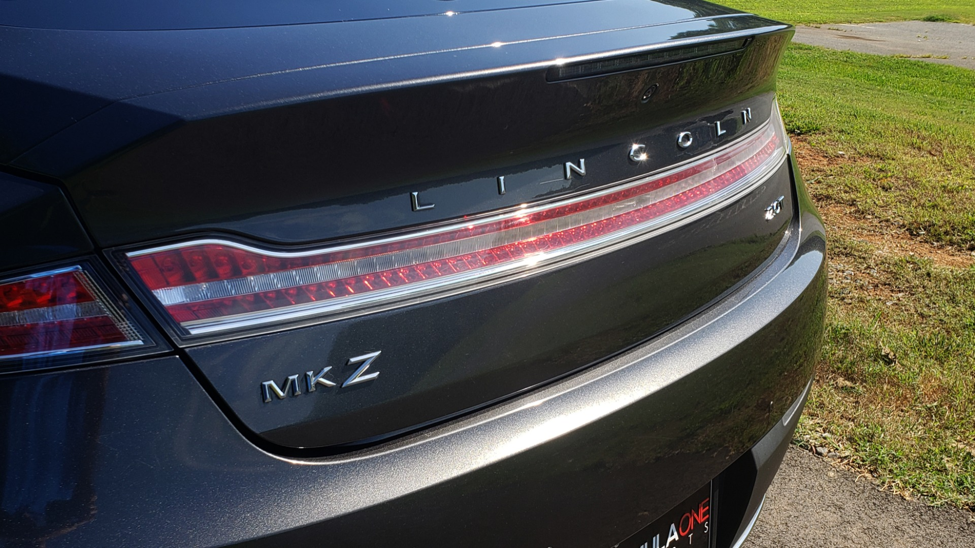 Used 2017 Lincoln MKZ SELECT PLUS / FWD / 2.0L 4-CYL / TECH / NAV / SNRF / REARVIEW for sale Sold at Formula Imports in Charlotte NC 28227 24
