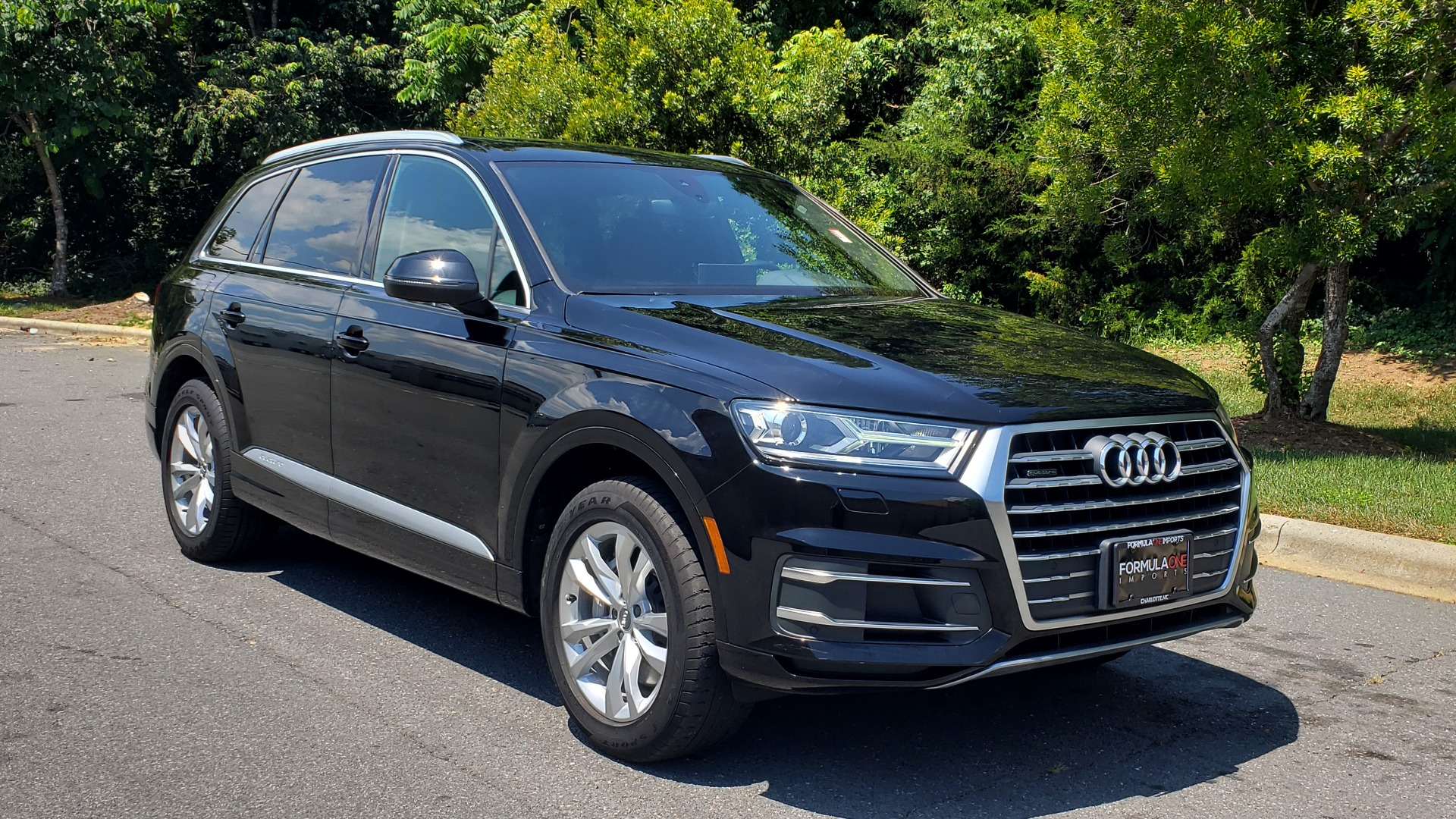 Used 2017 Audi Q7 PREMIUM PLUS / NAV / CLD WTHR / 3-ROW / REARVIEW for sale $35,399 at Formula Imports in Charlotte NC 28227 4