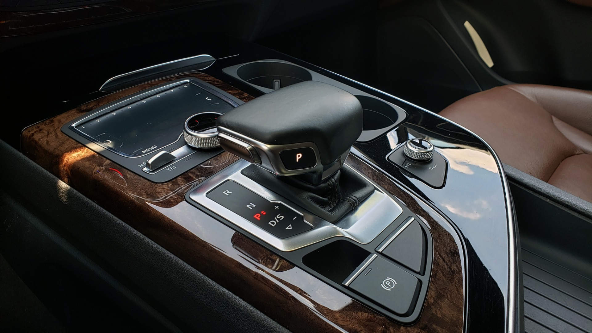 Used 2017 Audi Q7 PREMIUM PLUS / NAV / CLD WTHR / 3-ROW / REARVIEW for sale $35,399 at Formula Imports in Charlotte NC 28227 52