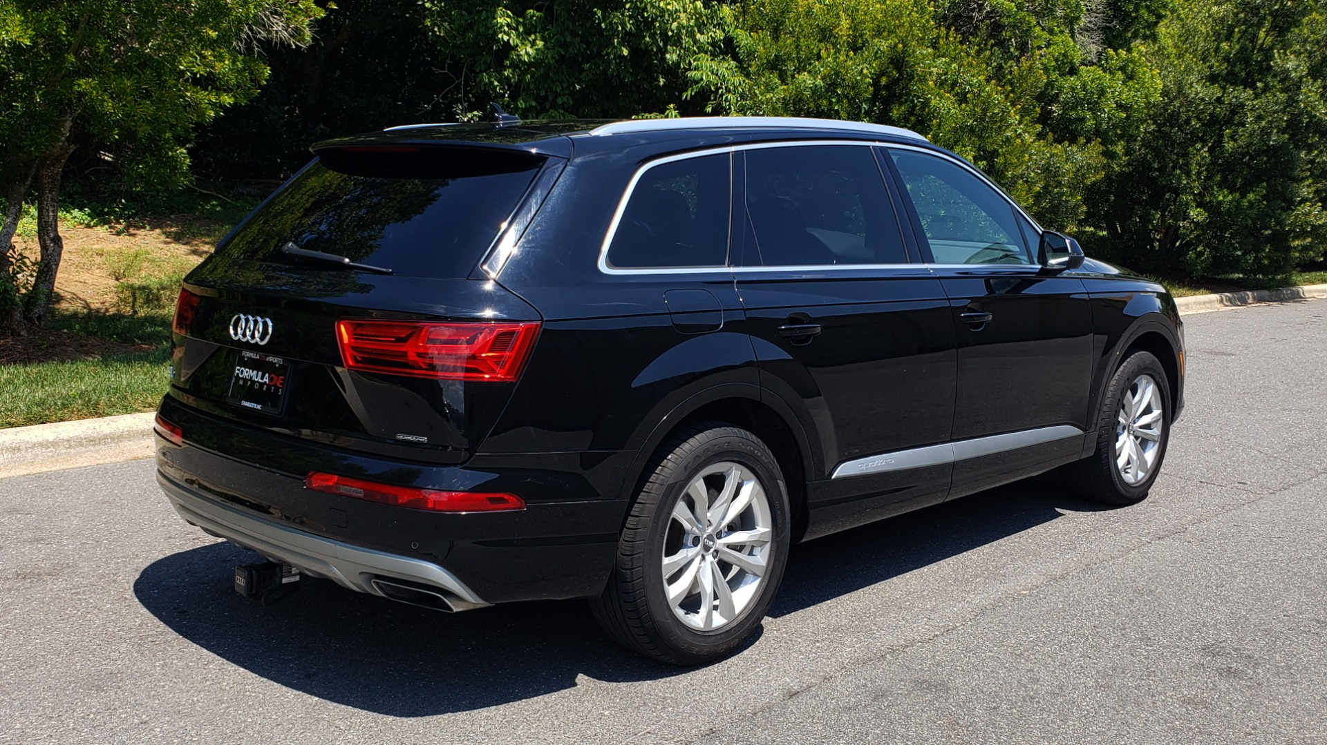 Used 2017 Audi Q7 PREMIUM PLUS / NAV / CLD WTHR / 3-ROW / REARVIEW for sale $35,399 at Formula Imports in Charlotte NC 28227 6