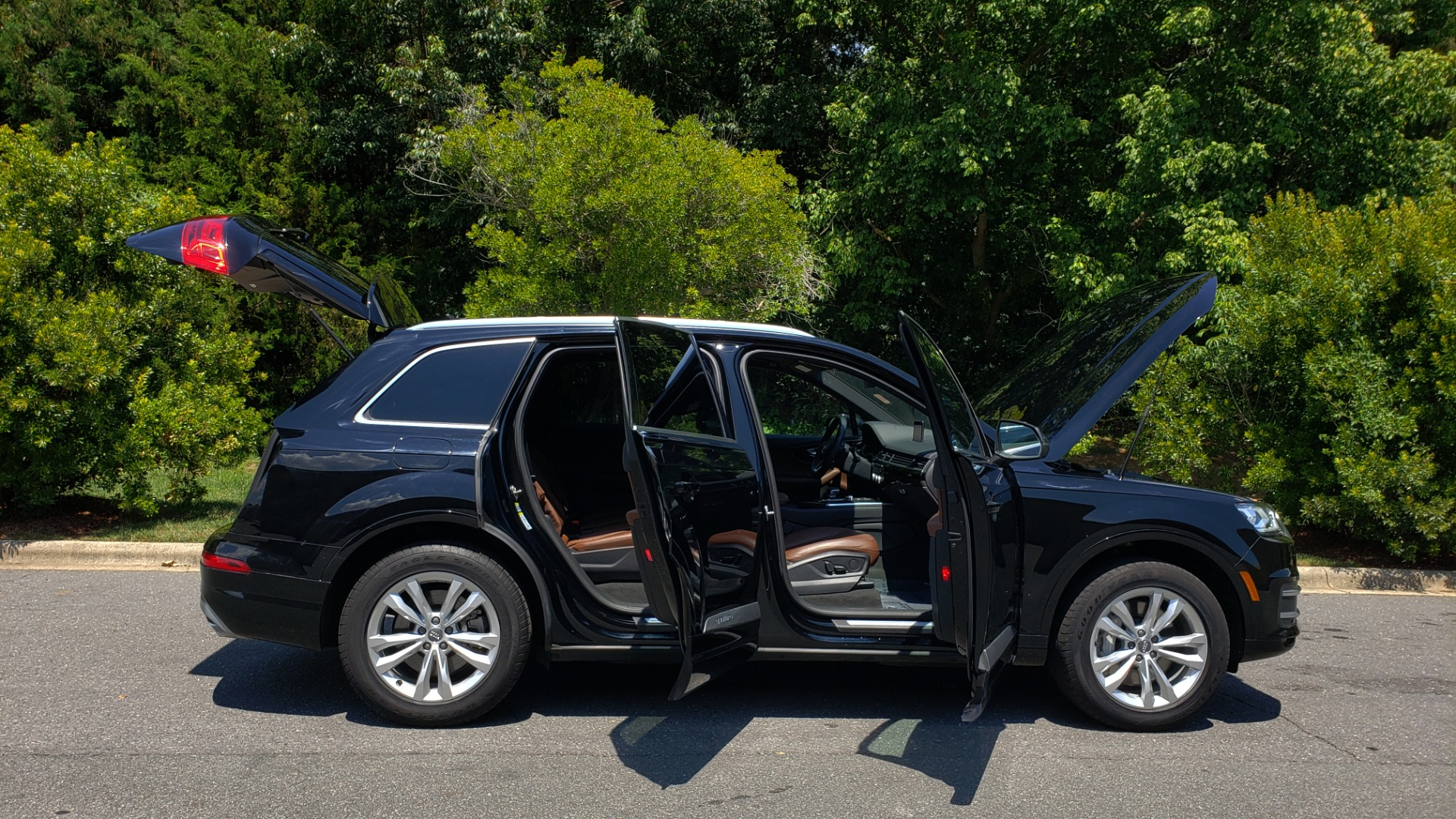 Used 2017 Audi Q7 PREMIUM PLUS / NAV / CLD WTHR / 3-ROW / REARVIEW for sale $35,399 at Formula Imports in Charlotte NC 28227 9