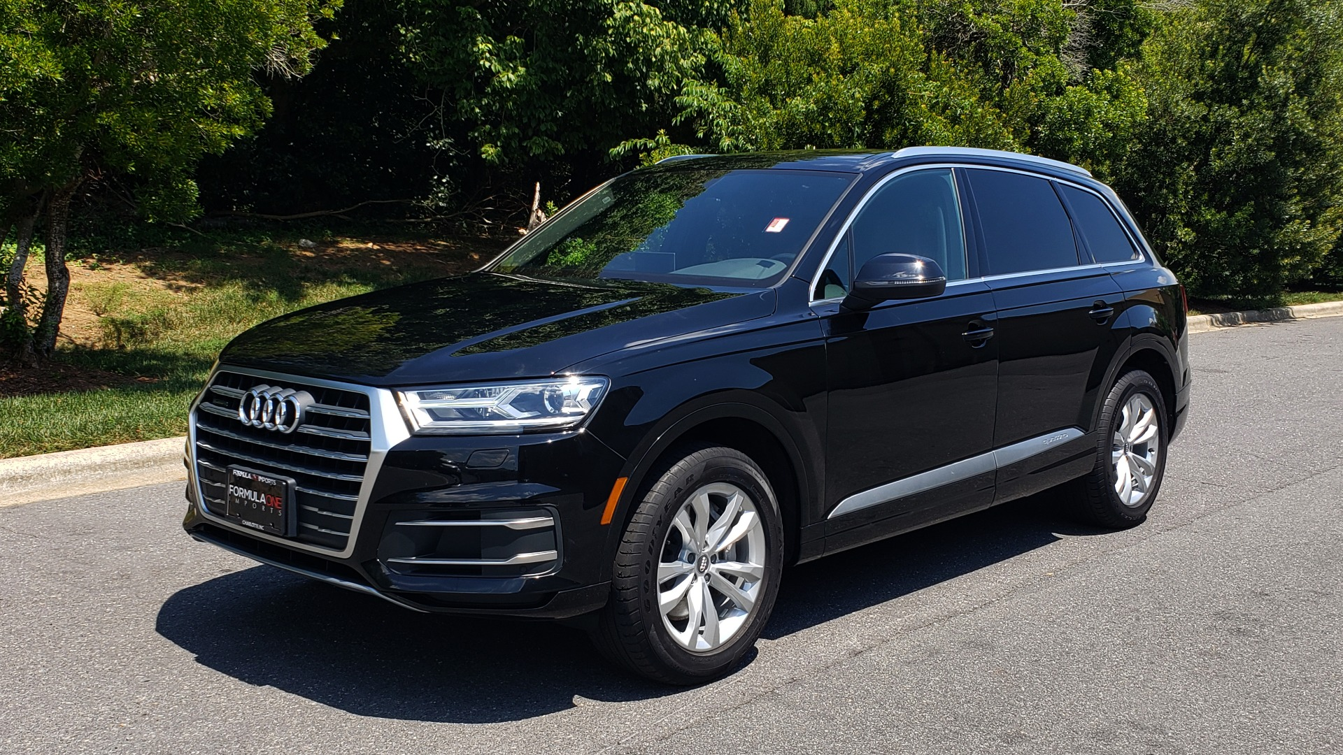 Used 2017 Audi Q7 PREMIUM PLUS / NAV / CLD WTHR / 3-ROW / REARVIEW for sale $35,399 at Formula Imports in Charlotte NC 28227 1