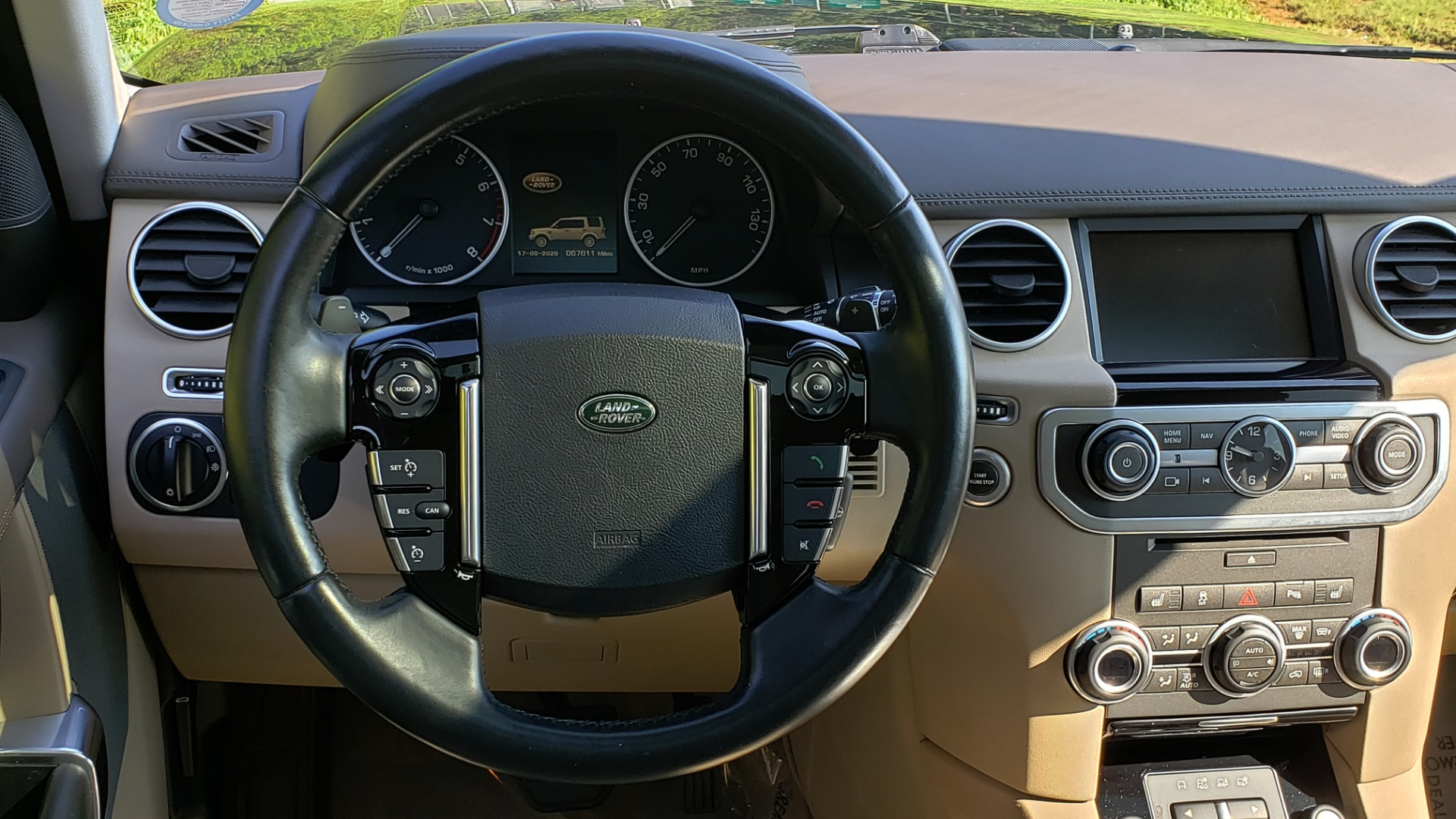 Used 2016 Land Rover LR4 HSE LUX LANDMARK EDITION / NAV / HTD STS / SUNROOF / REARVIEW for sale Sold at Formula Imports in Charlotte NC 28227 42
