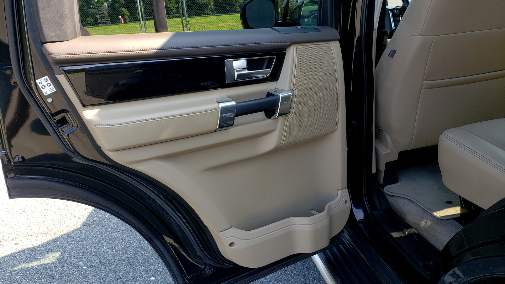 Used 2016 Land Rover LR4 HSE LUX LANDMARK EDITION / NAV / HTD STS / SUNROOF / REARVIEW for sale Sold at Formula Imports in Charlotte NC 28227 60