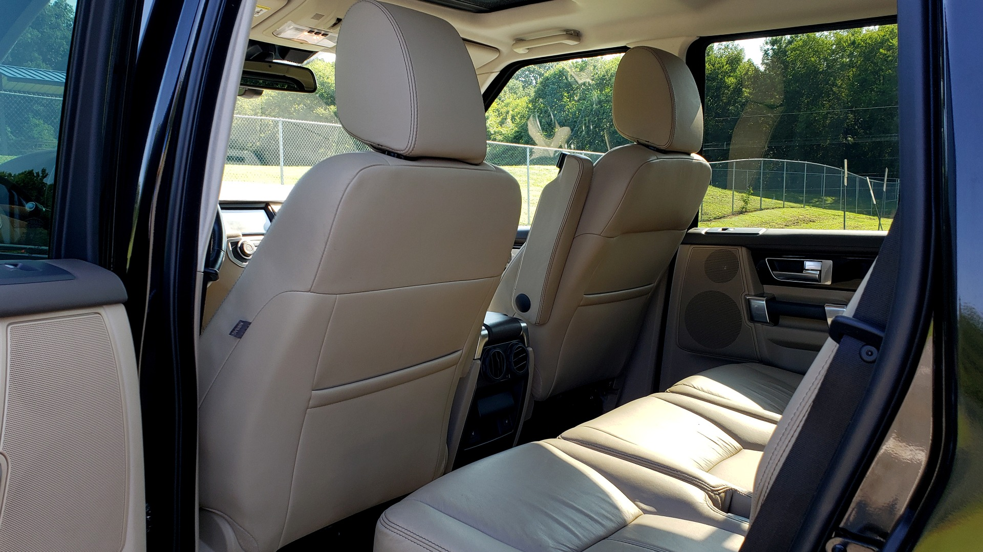 Used 2016 Land Rover LR4 HSE LUX LANDMARK EDITION / NAV / HTD STS / SUNROOF / REARVIEW for sale Sold at Formula Imports in Charlotte NC 28227 63