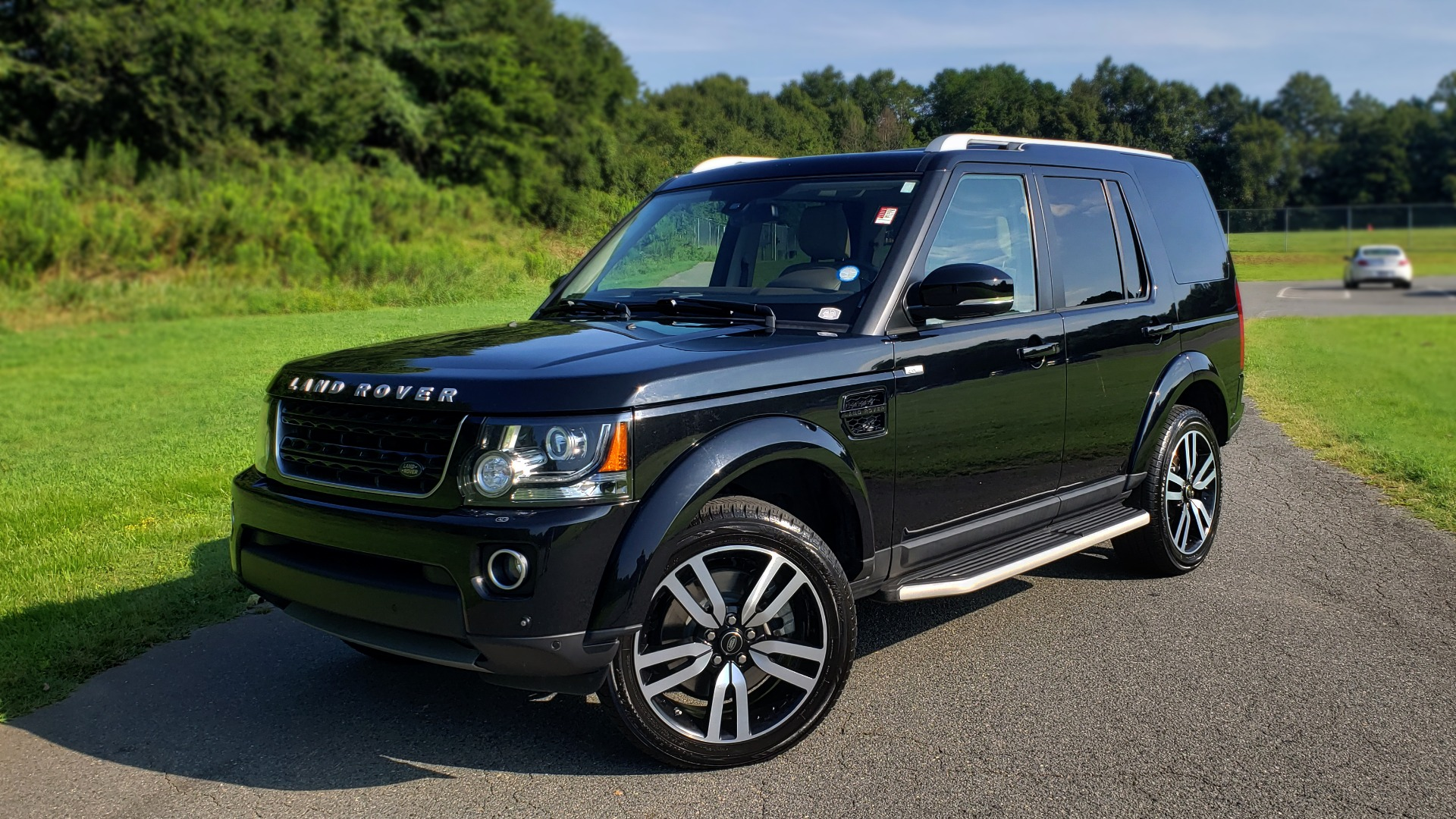 Used 2016 Land Rover LR4 HSE LUX LANDMARK EDITION / NAV / HTD STS / SUNROOF / REARVIEW for sale Sold at Formula Imports in Charlotte NC 28227 1