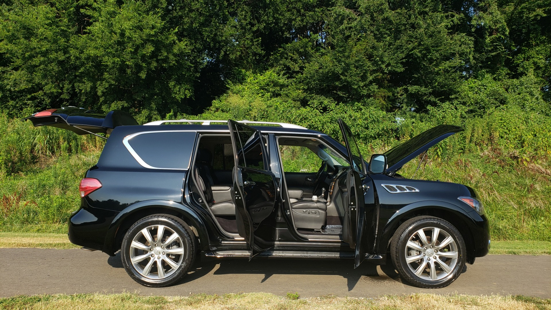Used 2013 INFINITI QX56 NAV / SUNROOF / BOSE / THEATER / 3-ROW / REARVIEW for sale $21,495 at Formula Imports in Charlotte NC 28227 13