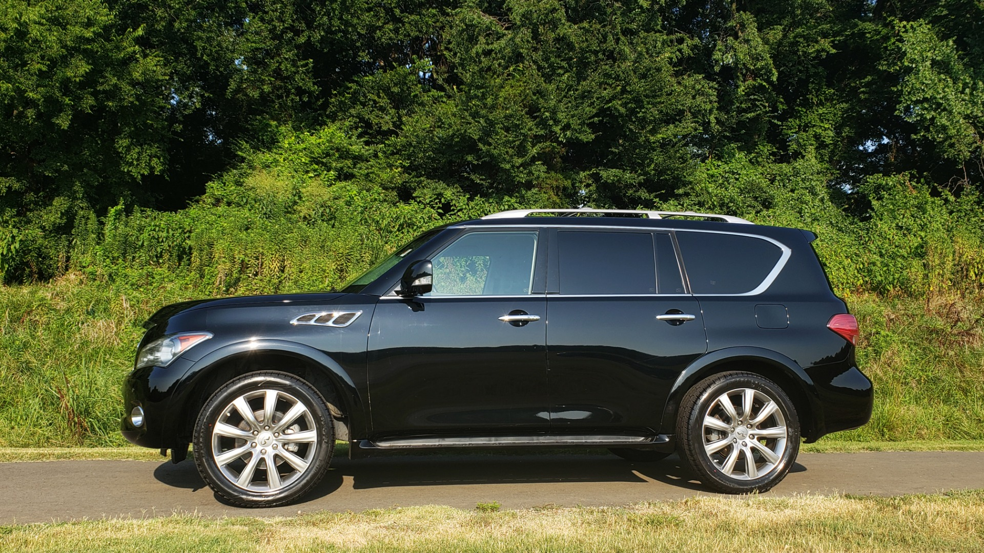 Used 2013 INFINITI QX56 NAV / SUNROOF / BOSE / THEATER / 3-ROW / REARVIEW for sale $21,495 at Formula Imports in Charlotte NC 28227 2