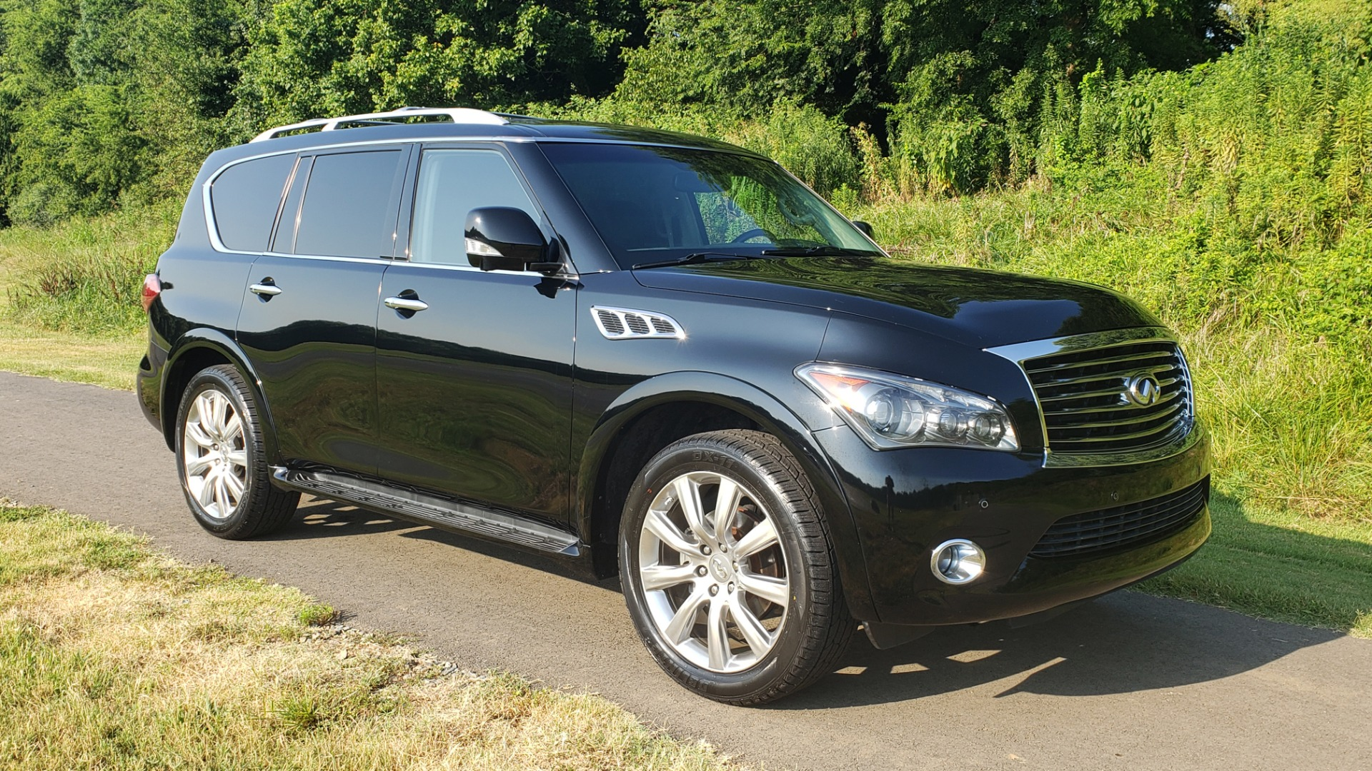 Used 2013 INFINITI QX56 THEATER PKG / NAV / SUNROOF / HEATED SEATS / REARVIEW for sale Sold at Formula Imports in Charlotte NC 28227 5