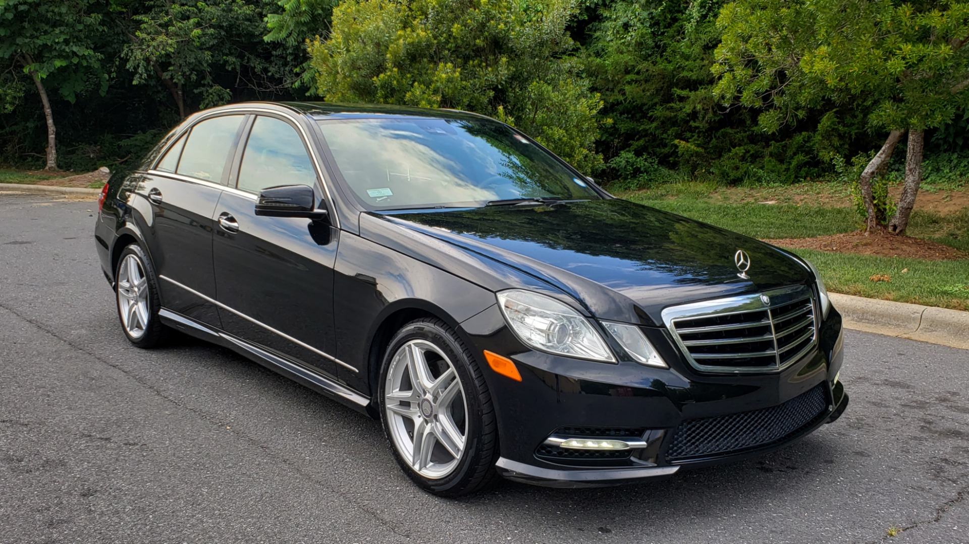 Used 2013 Mercedes-Benz E-CLASS E 350 SPORT / PREM PKG / NAV / SUNROOF / LANE TRACKING / BSA for sale $17,995 at Formula Imports in Charlotte NC 28227 4