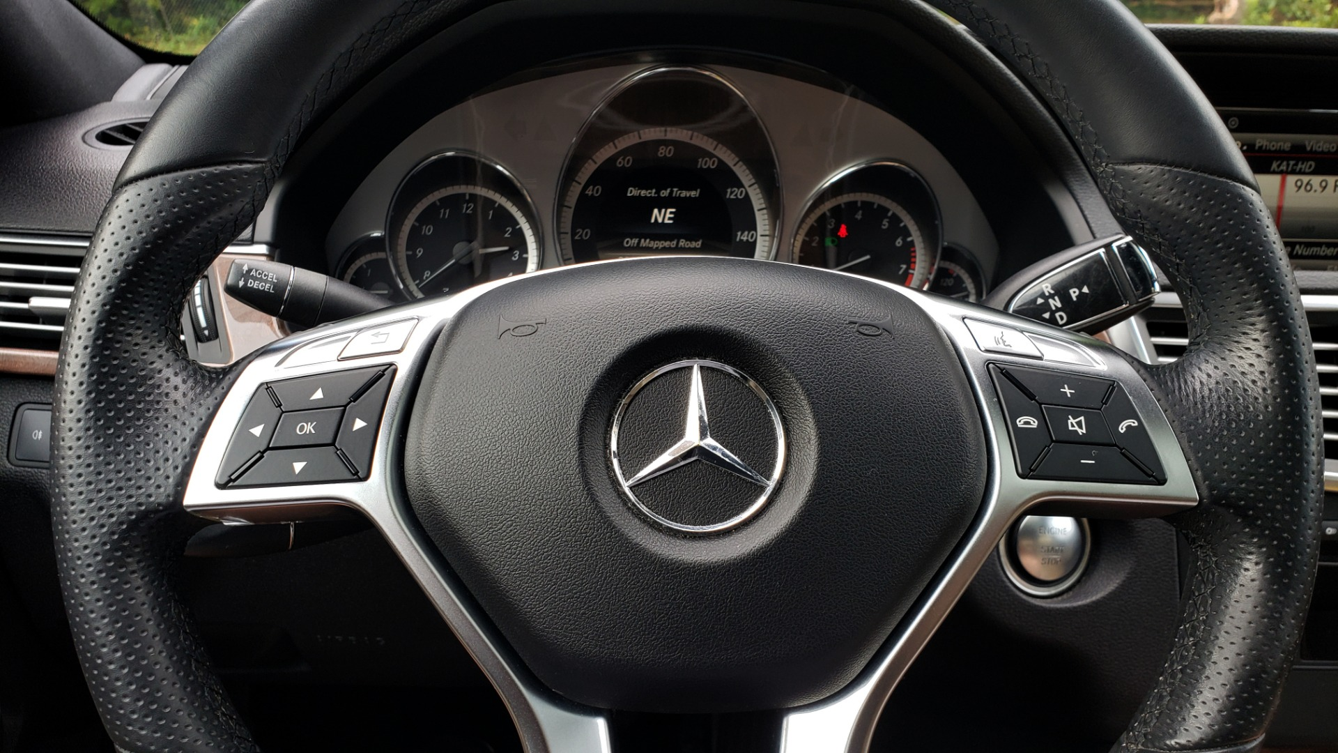 Used 2013 Mercedes-Benz E-CLASS E 350 SPORT / PREM PKG / NAV / SUNROOF / LANE TRACKING / BSA for sale $17,995 at Formula Imports in Charlotte NC 28227 40