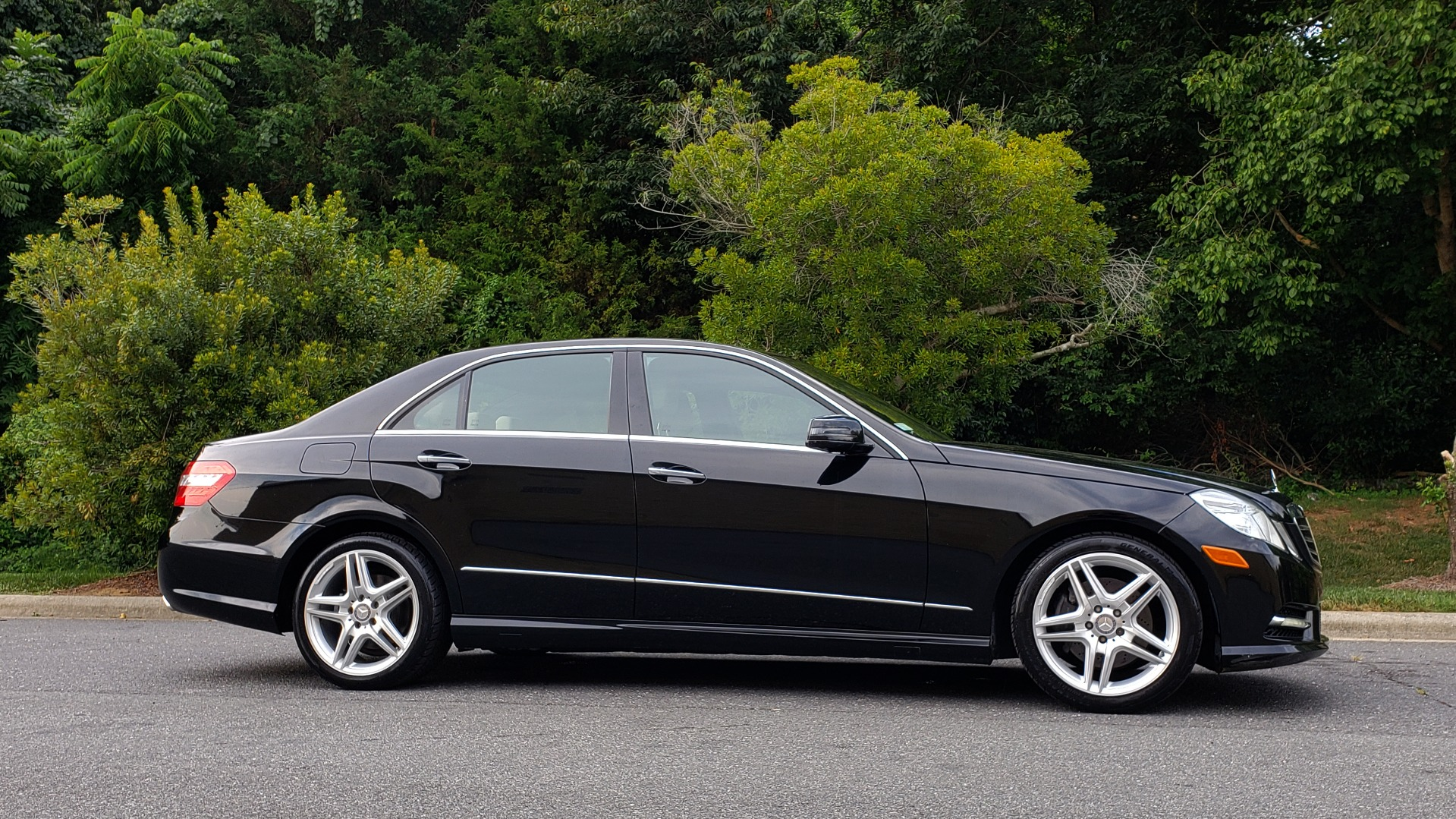 Used 2013 Mercedes-Benz E-Class E 350 Luxury for sale Sold at Formula Imports in Charlotte NC 28227 5