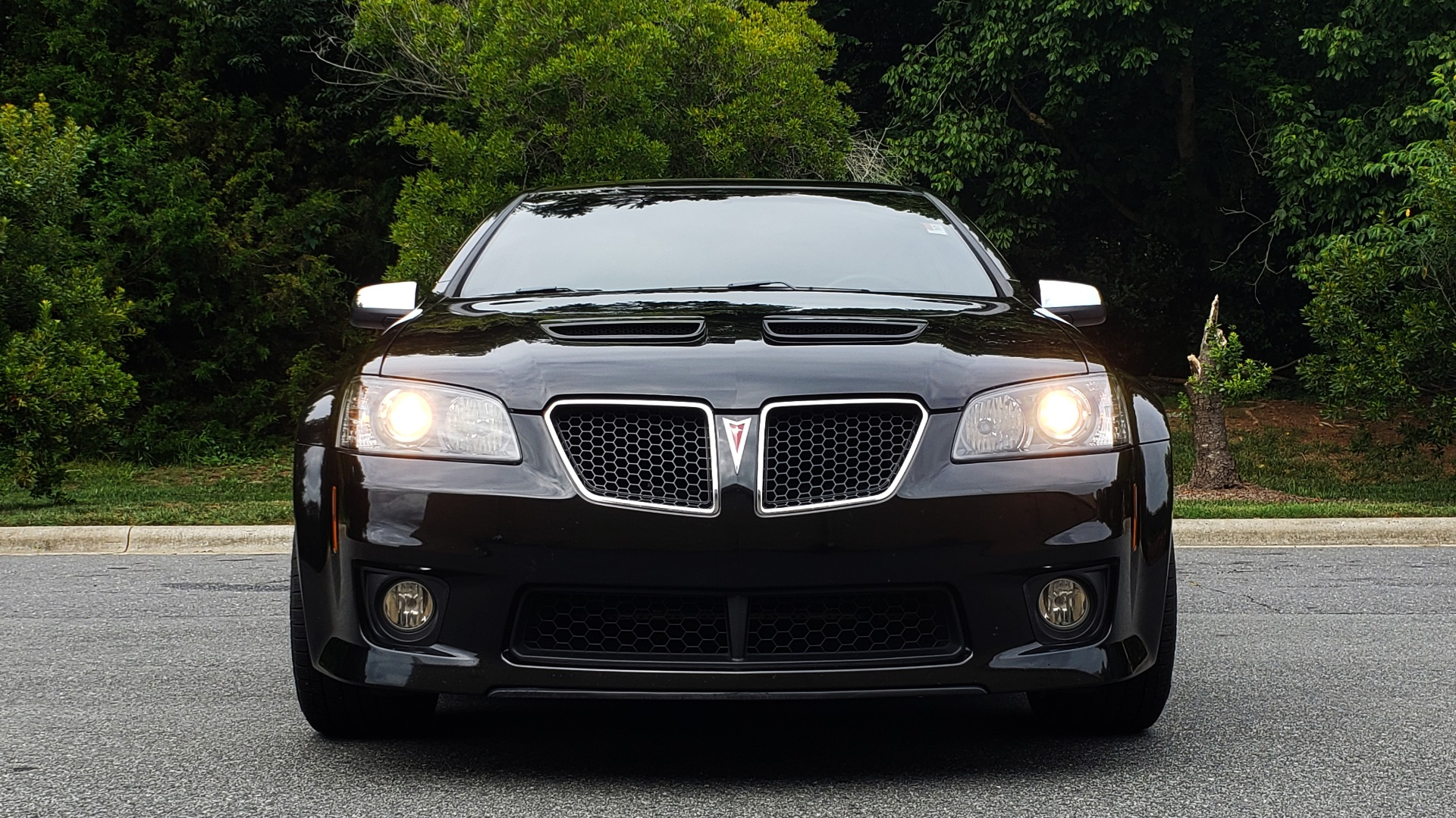 Used 2009 Pontiac G8 GXP / 6.2L LS3 V8 / 6-SPD AUTO / SUNROOF / 19IN WHEELS for sale Sold at Formula Imports in Charlotte NC 28227 26