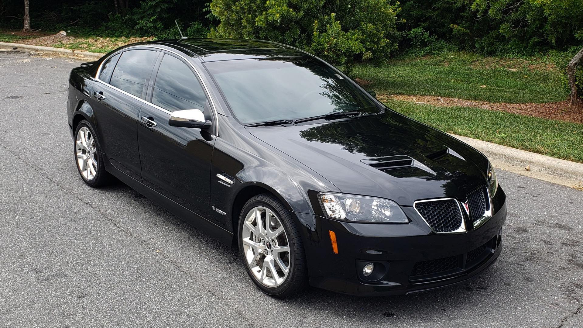Used 2009 Pontiac G8 GXP / 6.2L LS3 V8 / 6-SPD AUTO / SUNROOF / 19IN WHEELS for sale Sold at Formula Imports in Charlotte NC 28227 7