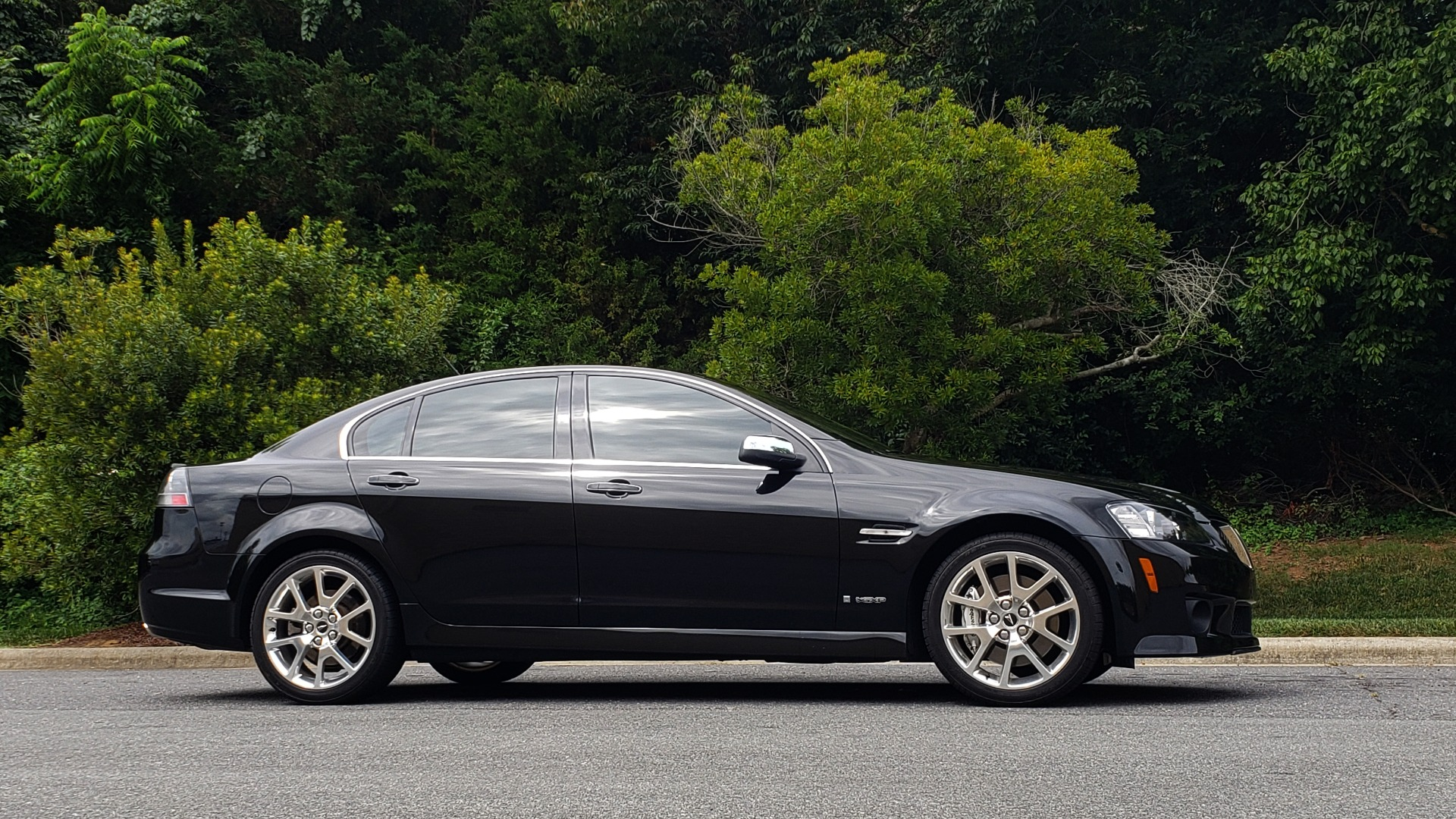 Used 2009 Pontiac G8 GXP / 6.2L LS3 V8 / 6-SPD AUTO / SUNROOF / 19IN WHEELS for sale Sold at Formula Imports in Charlotte NC 28227 9